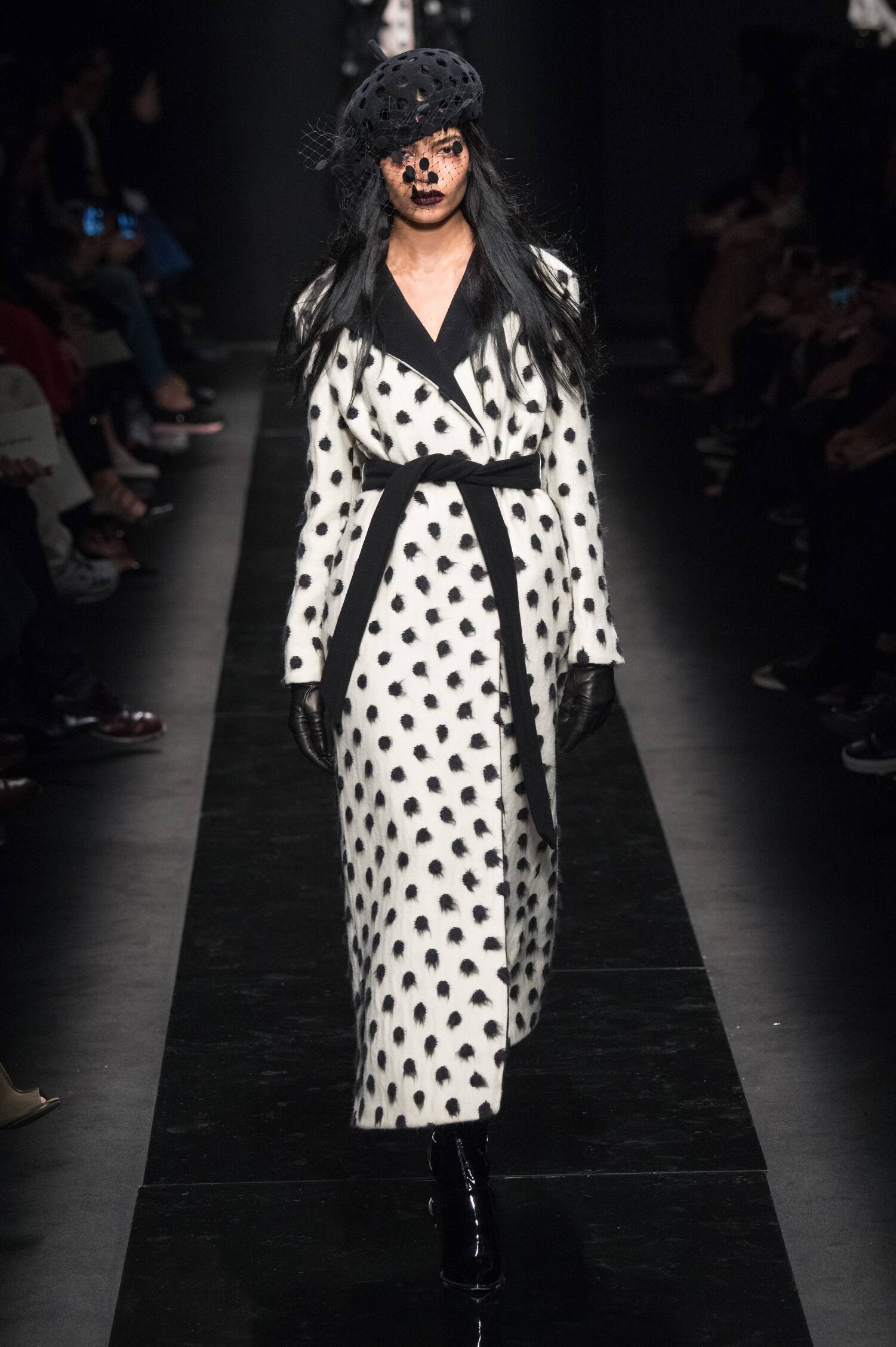 Emanuel Ungaro Collection Woman Paris Fashion Week