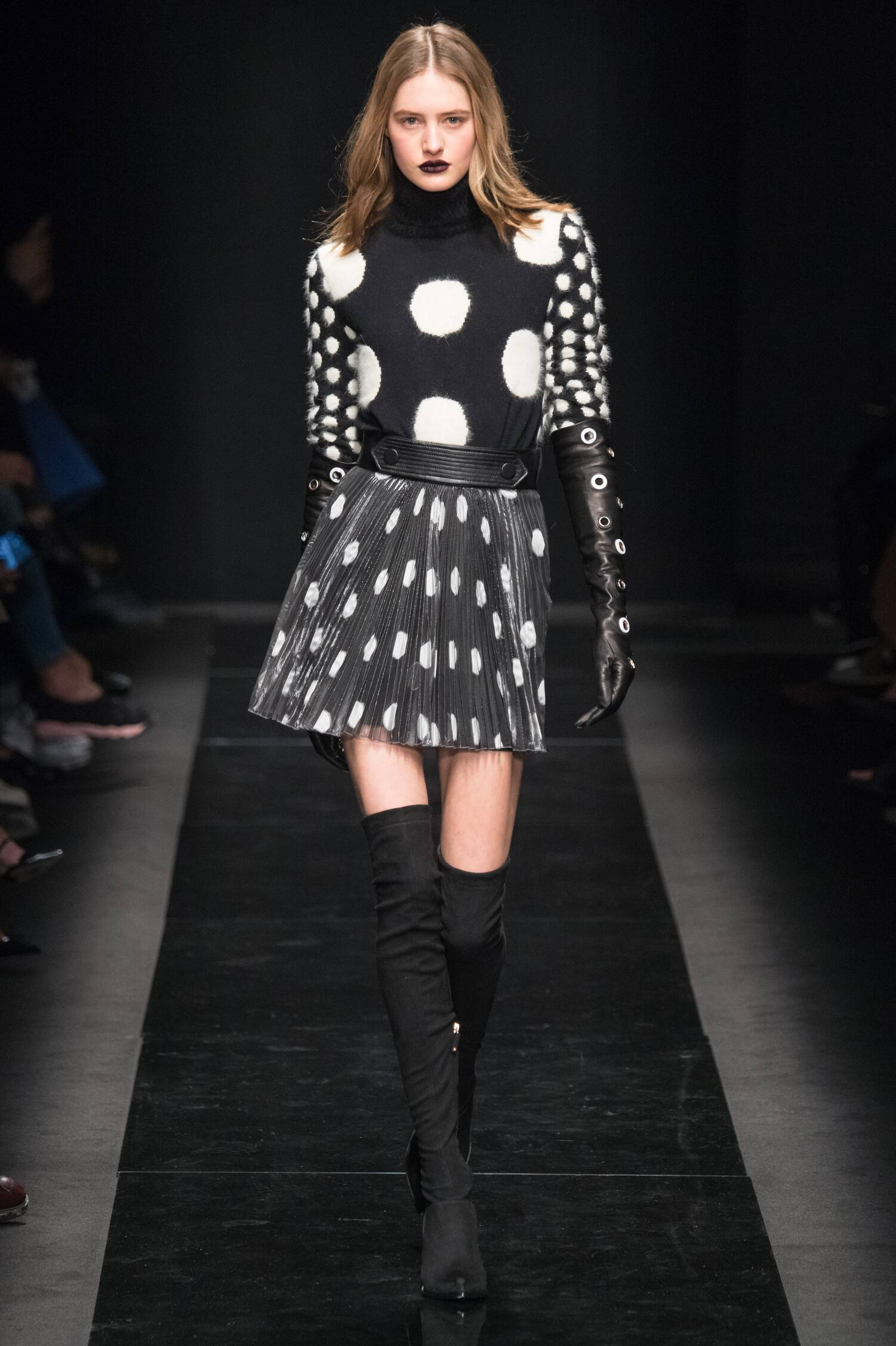 Emanuel Ungaro Fall Winter 2015 16 Womens Collection Paris Fashion Week