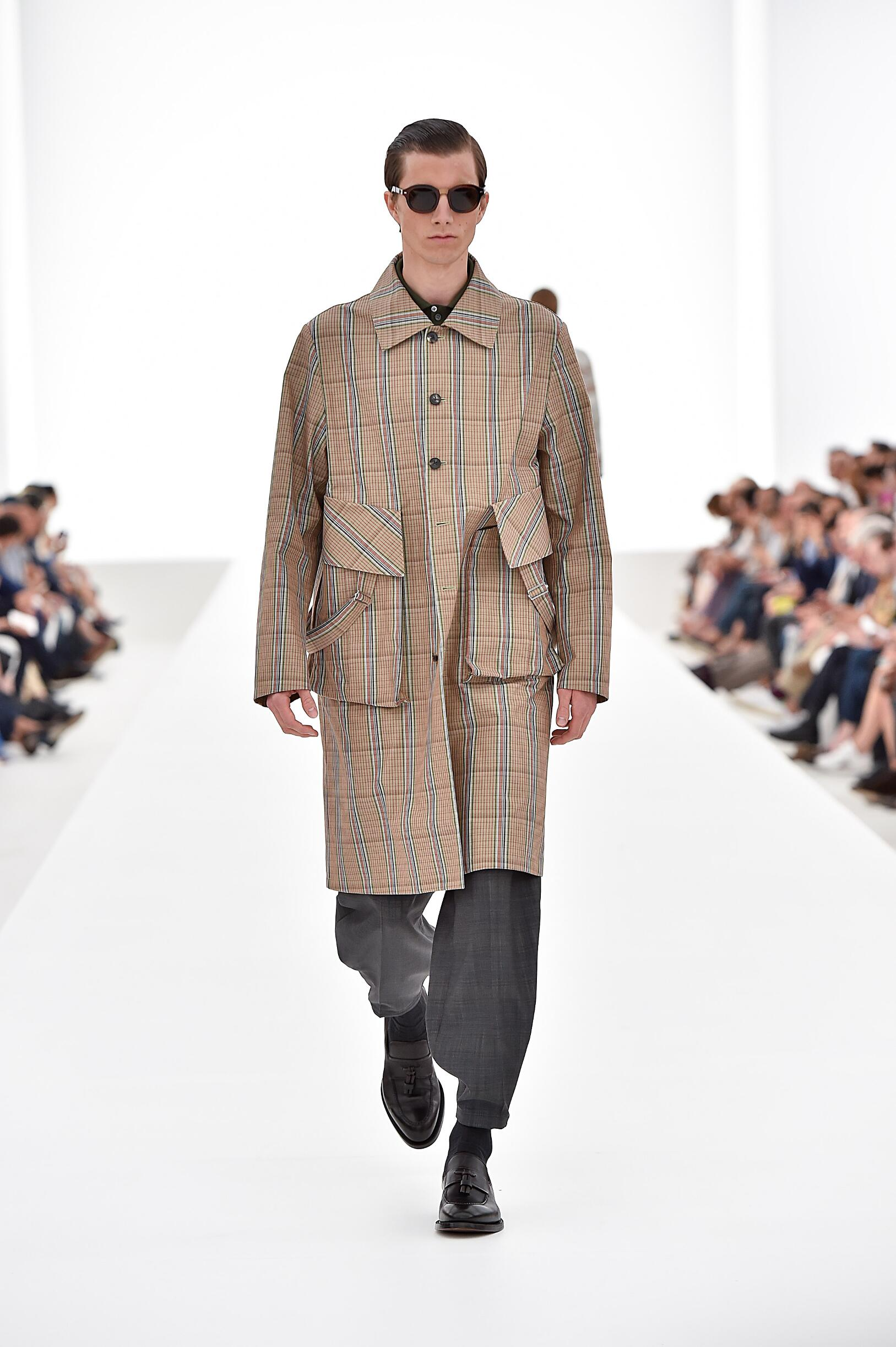 Ermenegildo Zegna Couture Collection Summer 2016 Catwalk