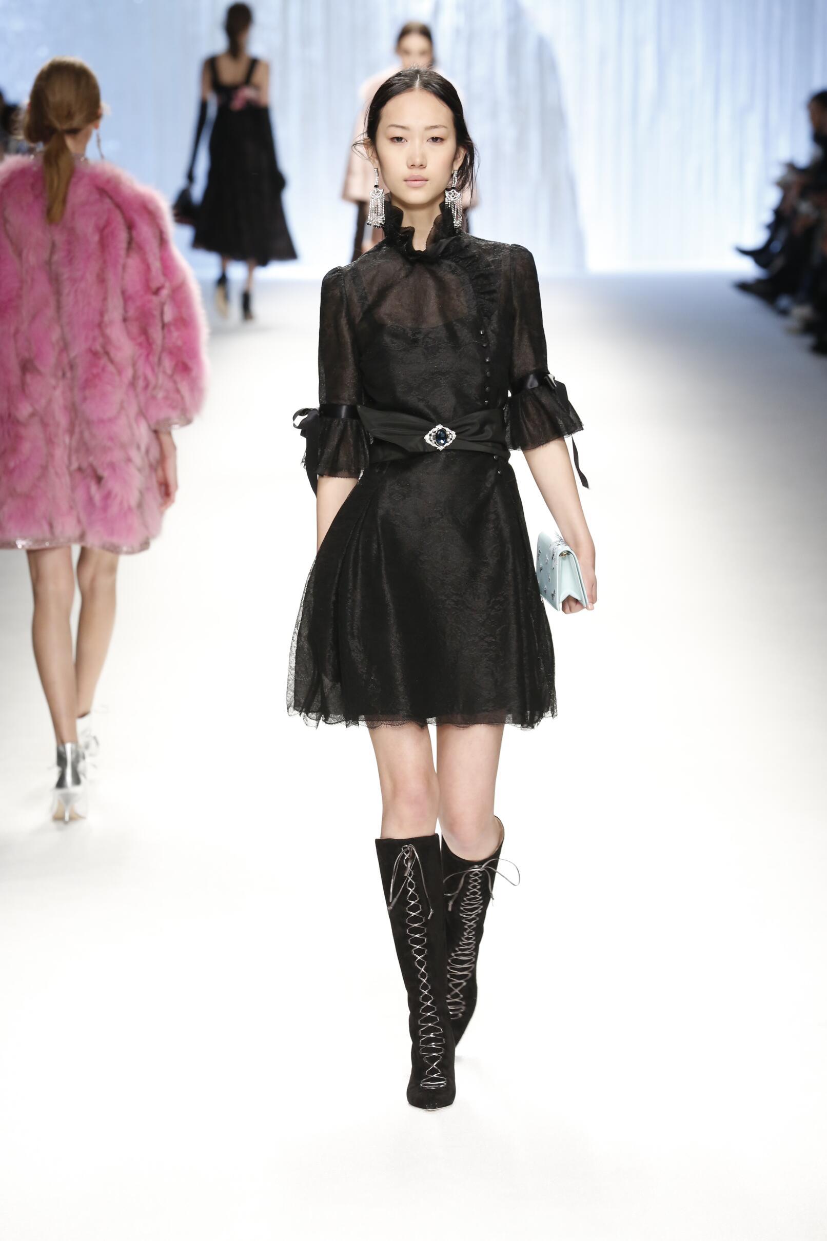 Fall 2015 Fashion Trends Shiatzy Chen Collection