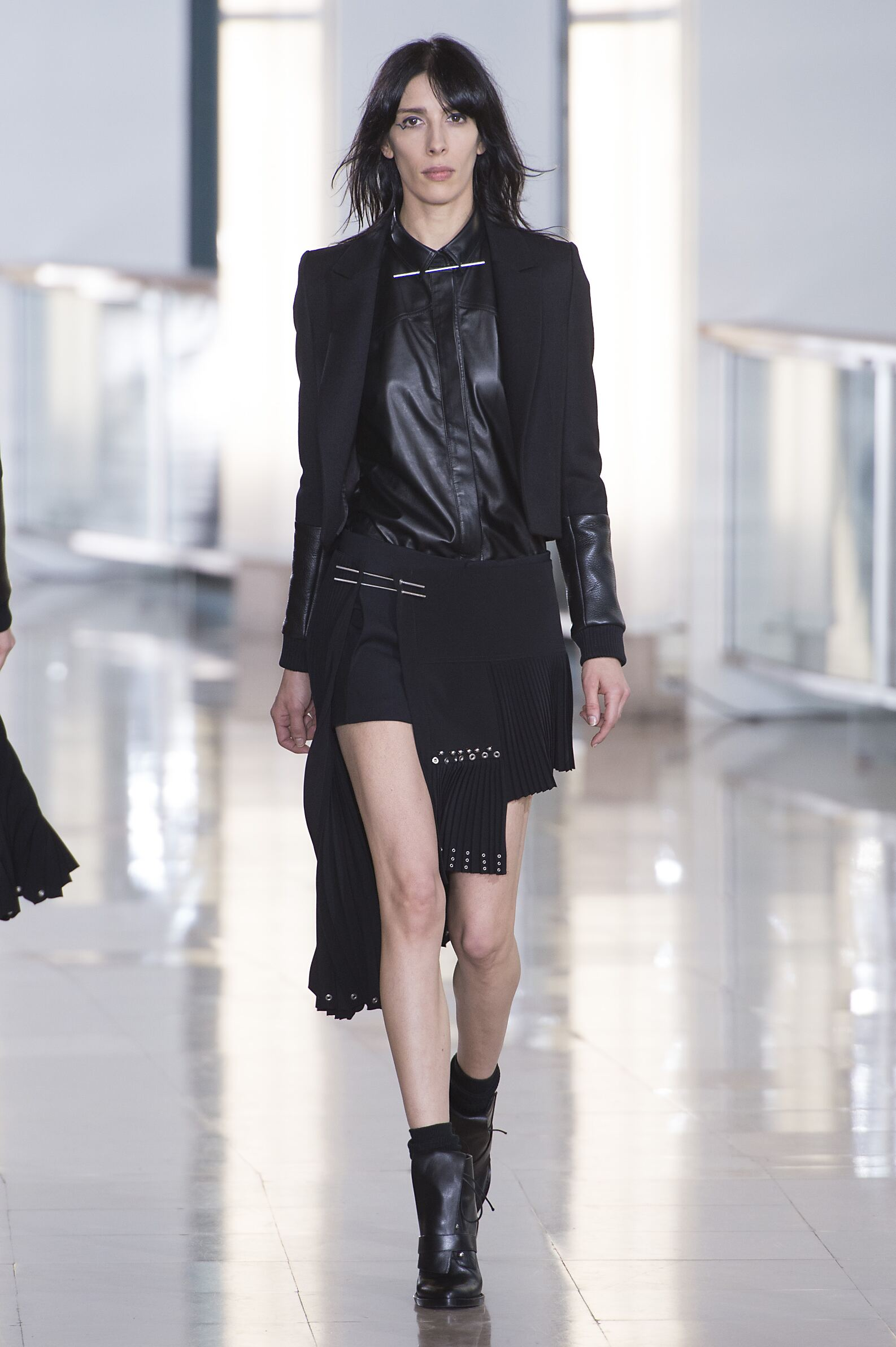 Fall 2015 Women Fashion Show Anthony Vaccarello Collection