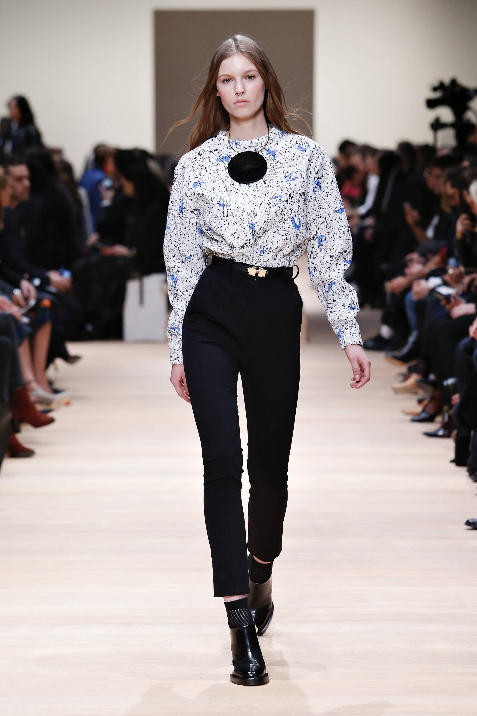 Fall 2015 Women Fashion Show Carven Collection