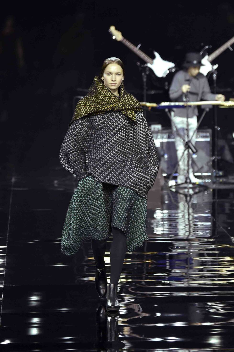 Fall 2015 Women Fashion Show Issey Miyake Collection