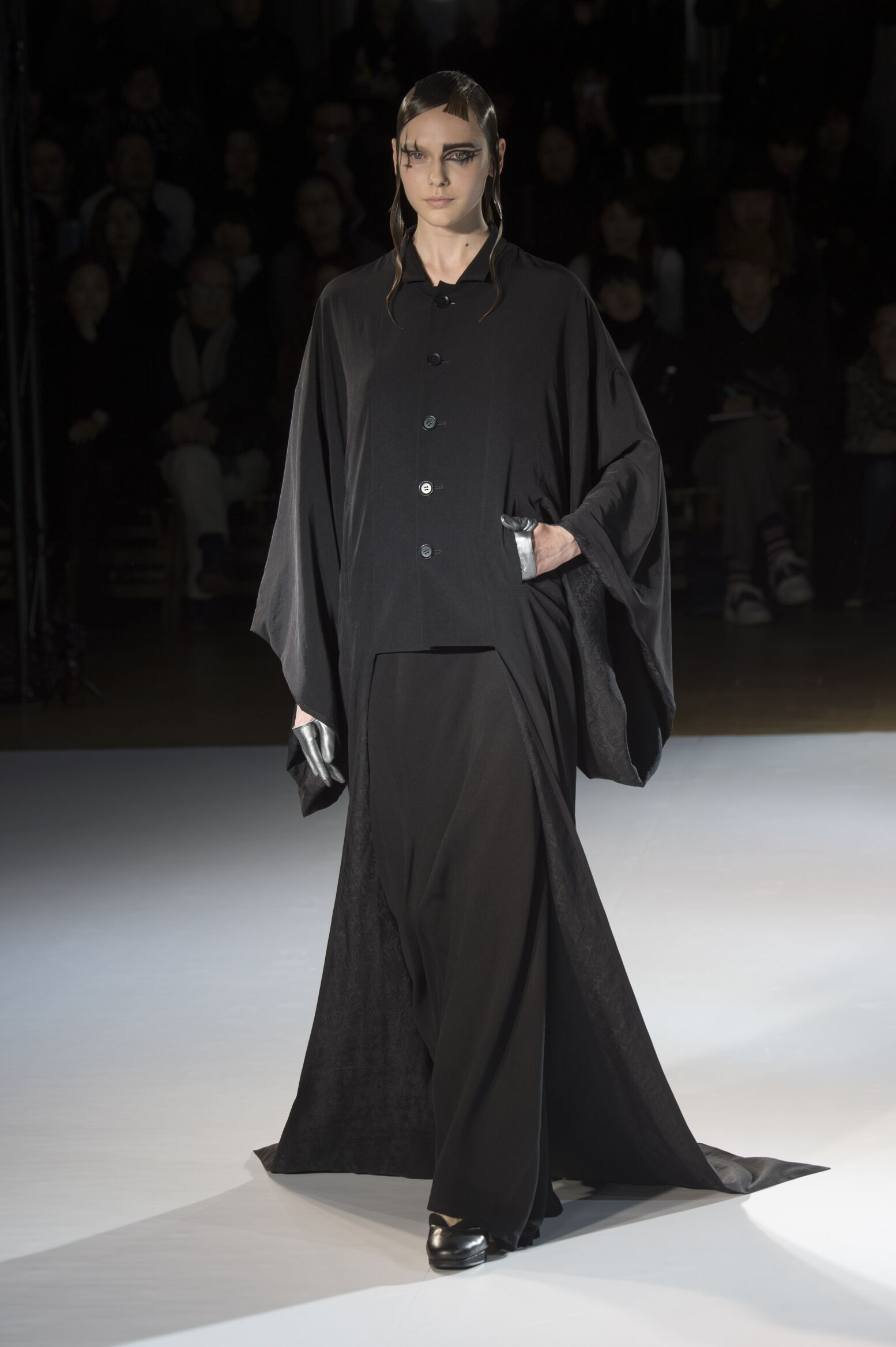Fall 2015 Women Fashion Show Yohji Yamamoto Collection