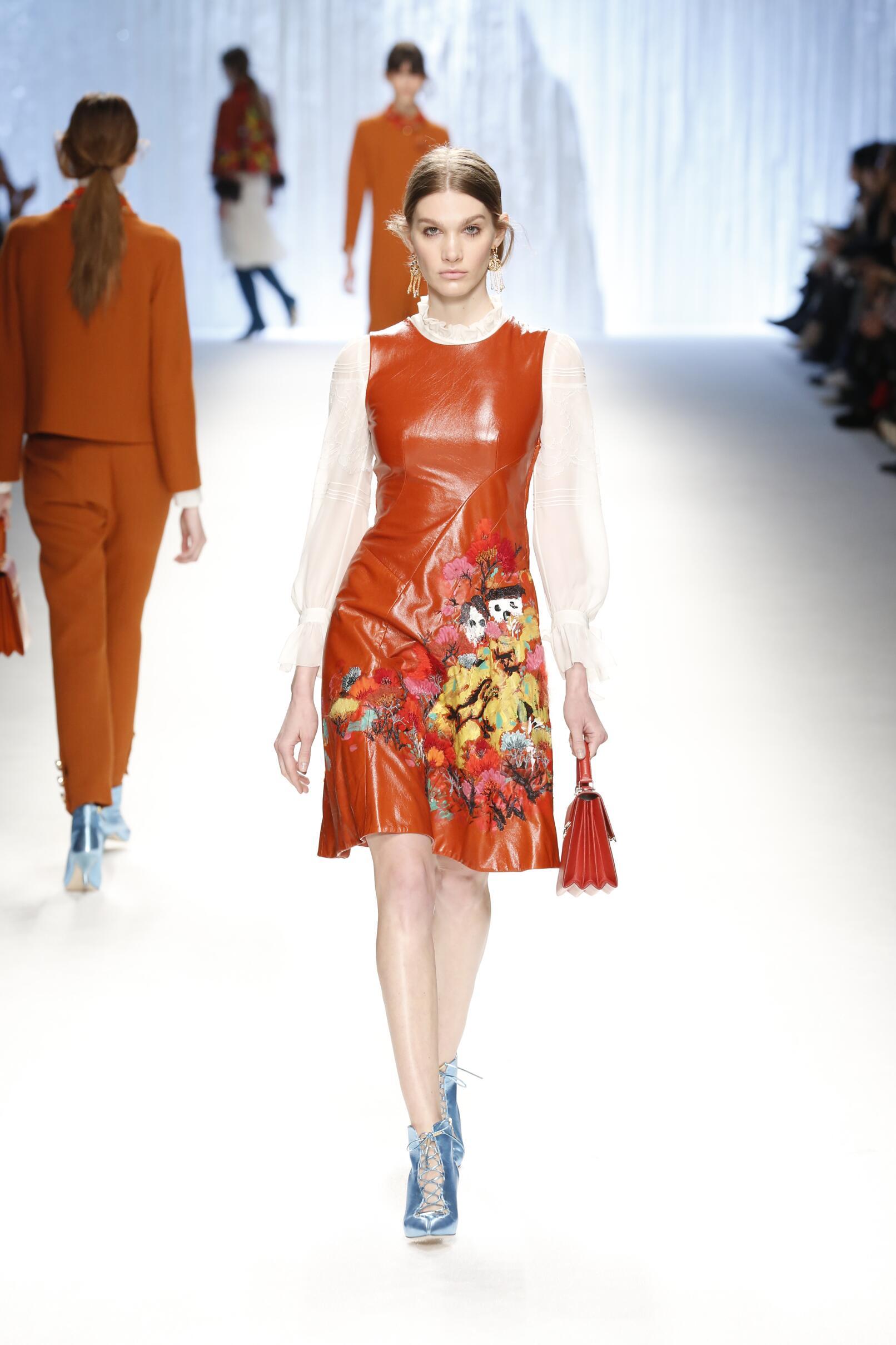 Fall Fashion 2015 2016 Shiatzy Chen Collection