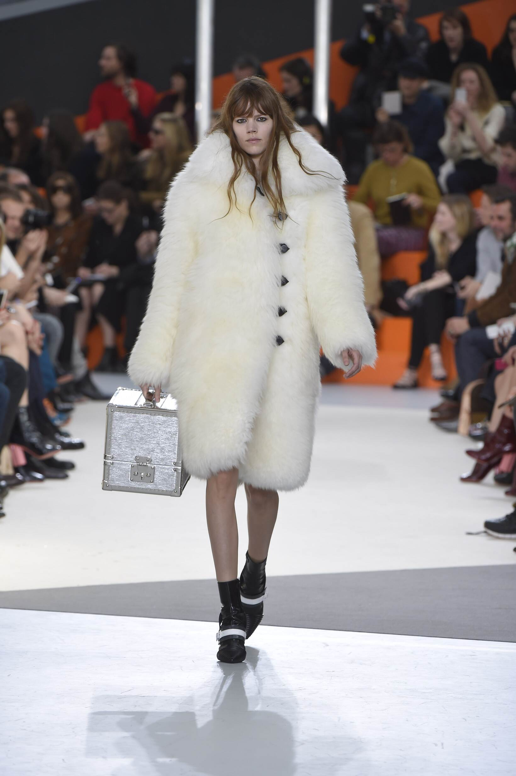 Fall Fashion Woman Louis Vuitton Collection