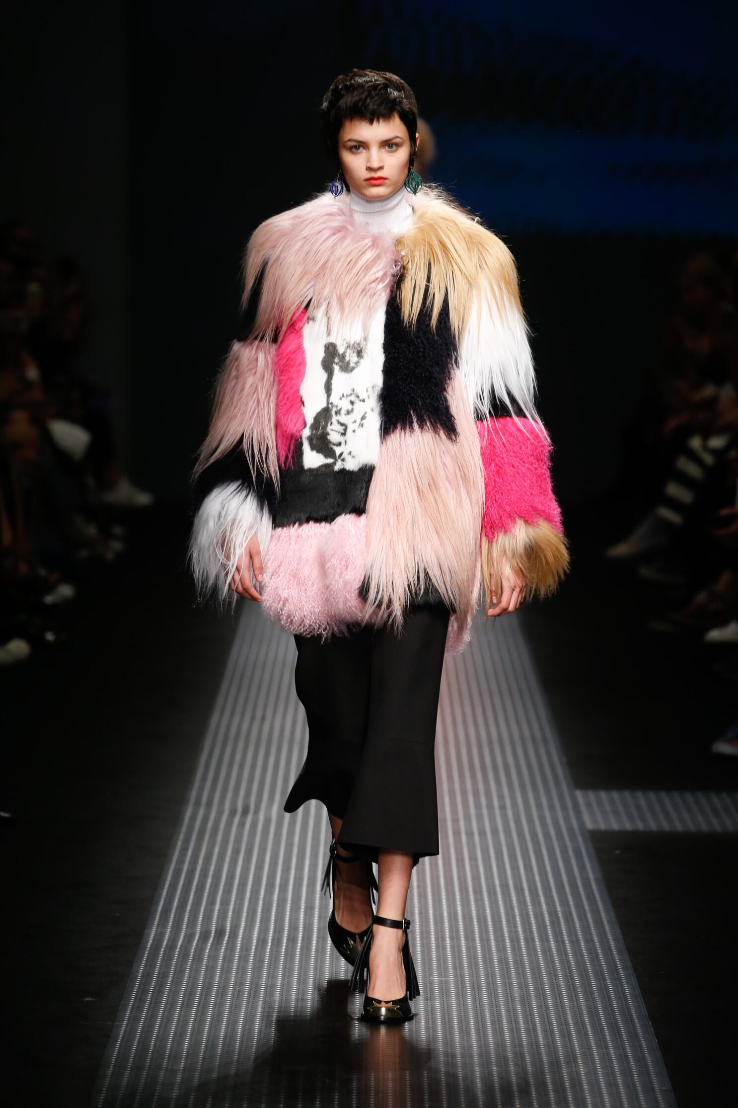 Fall Msgm Collection Fashion Women Model