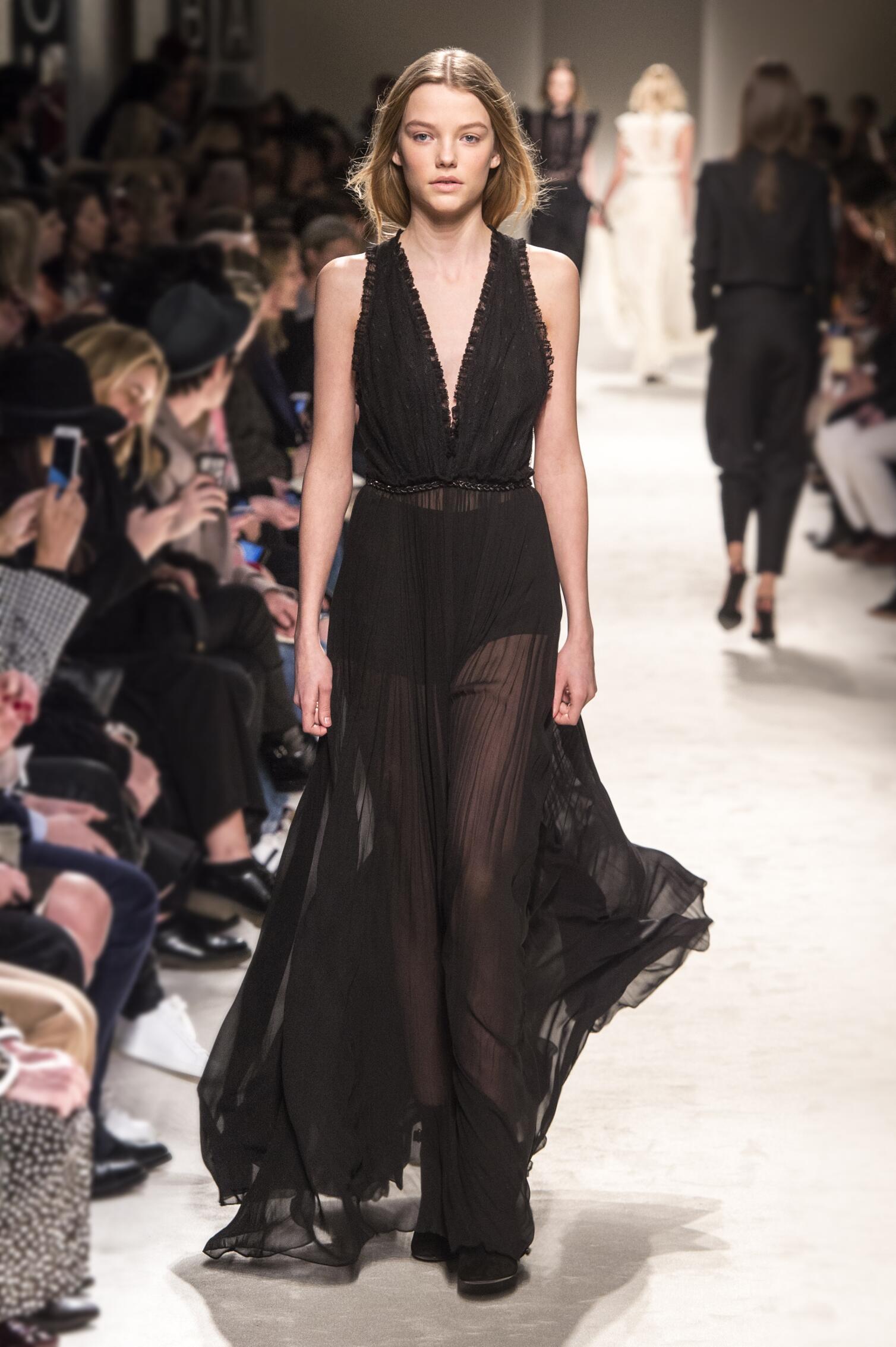 Fall Philosophy di Lorenzo Serafini Collection Fashion Women Model