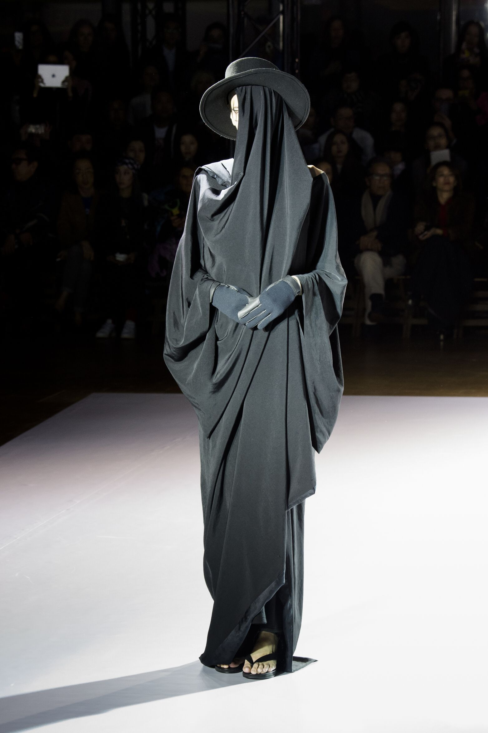 Fall Winter 2015 16 Fashion Collection Yohji Yamamoto