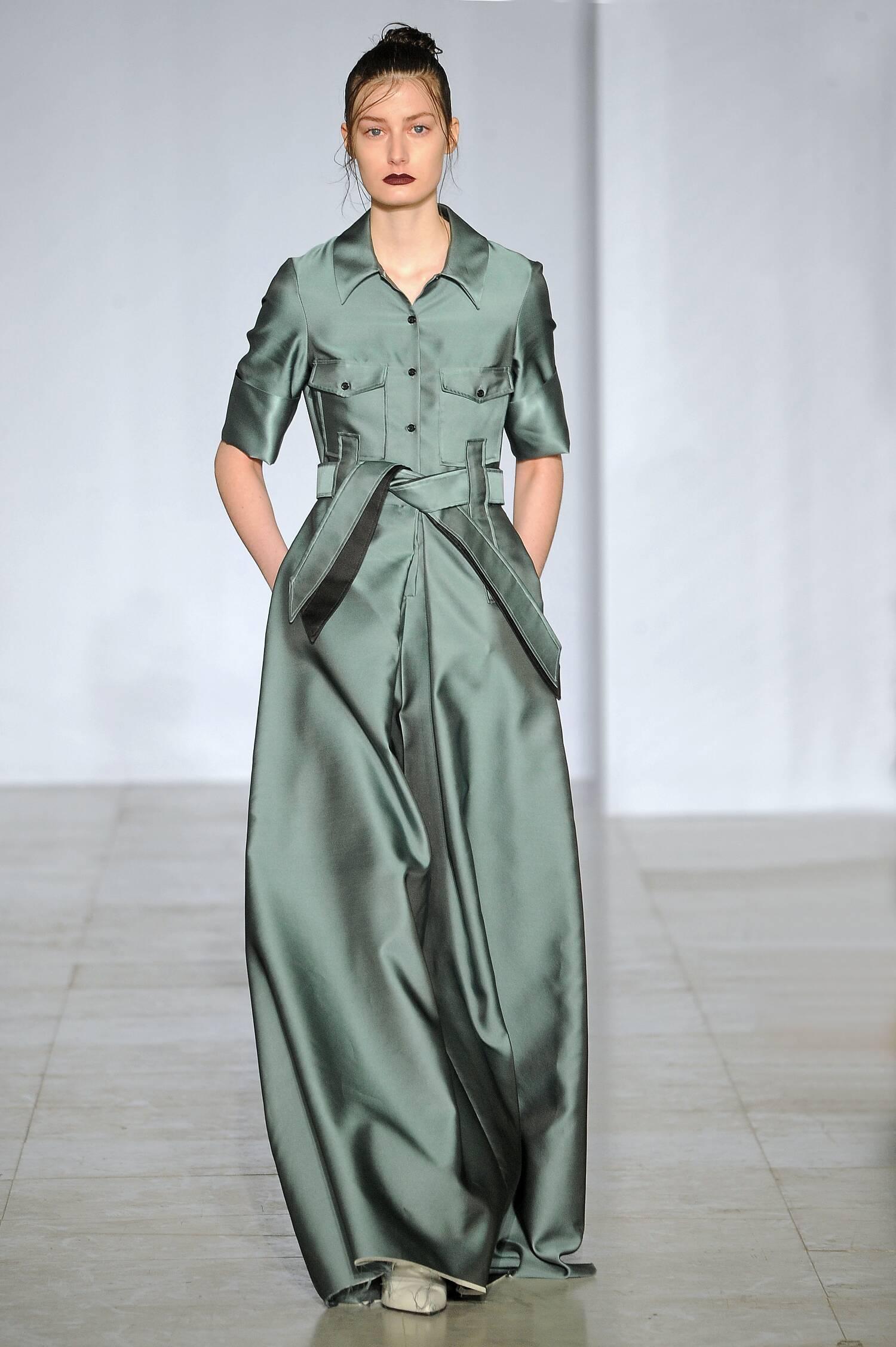 Fall Yang Li Collection Fashion Women Model