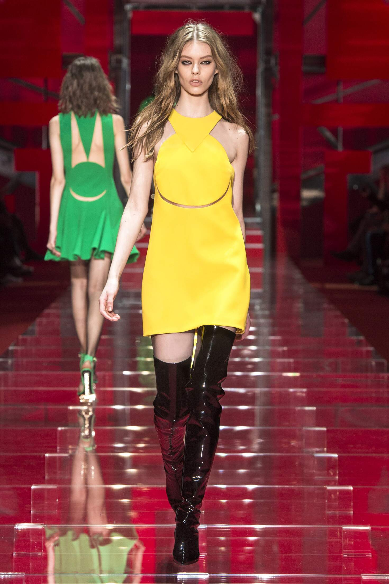 Fashion Show FW 2015 2016 Versace Womenswear