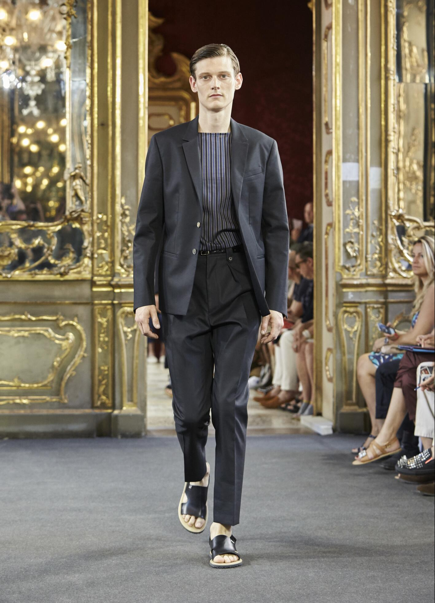 Fashion Show SS 2016 Corneliani Menswear