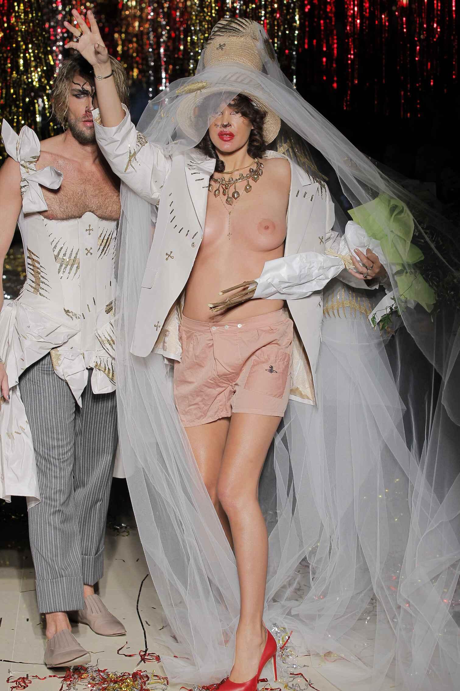 Fashion Show Vivienne Westwood Finale