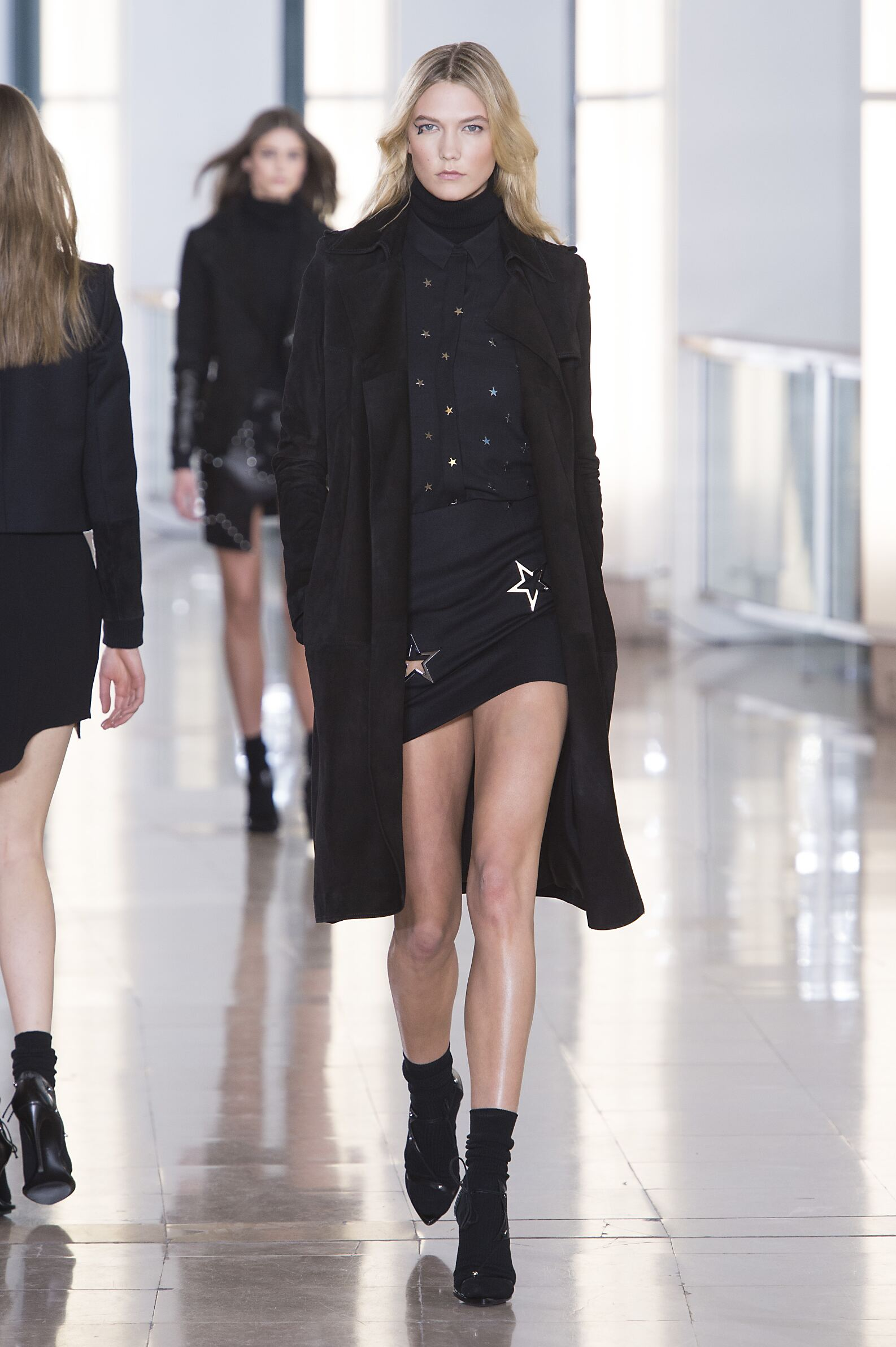 Fashion Woman Model Anthony Vaccarello Collection Catwalk