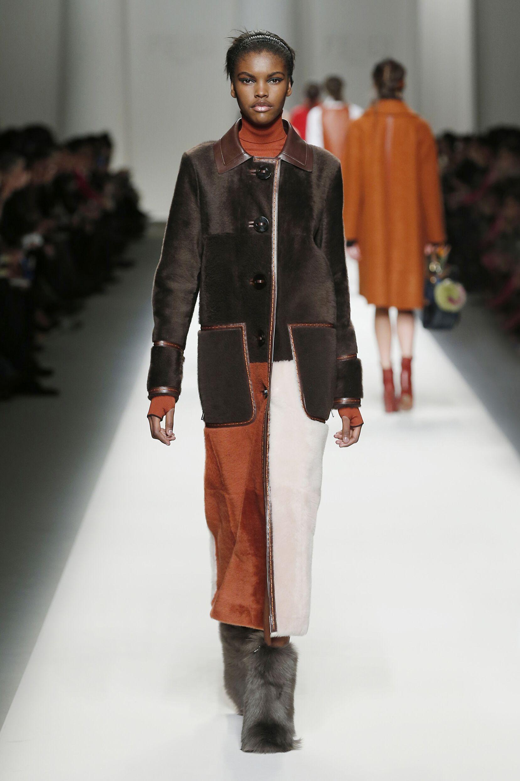 Fashion Woman Model Fendi Collection Catwalk