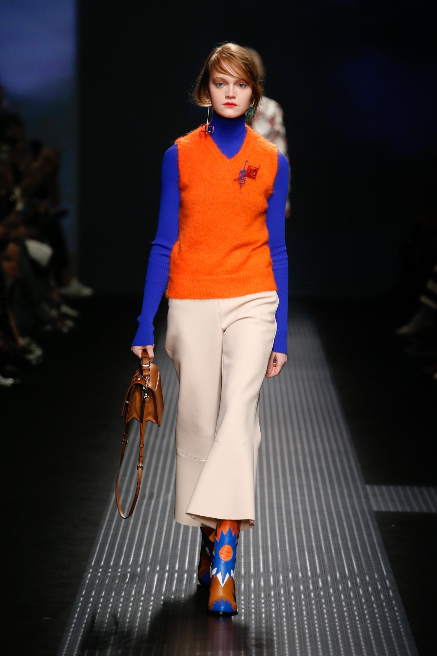 Fashion Woman Model Msgm Collection Catwalk