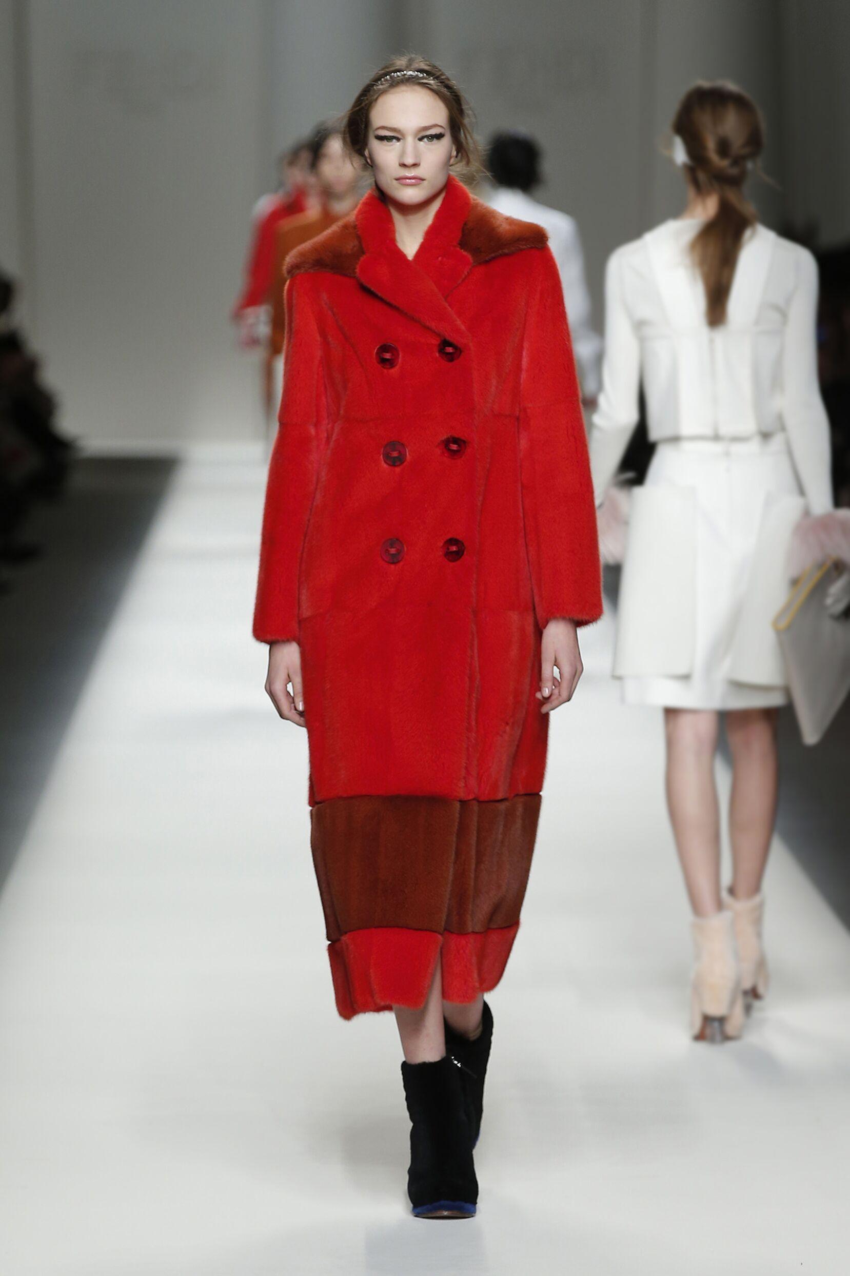 Fendi Fall Winter 2015 16 Womenswear Collection Milan Fashion Week Fashion Show
