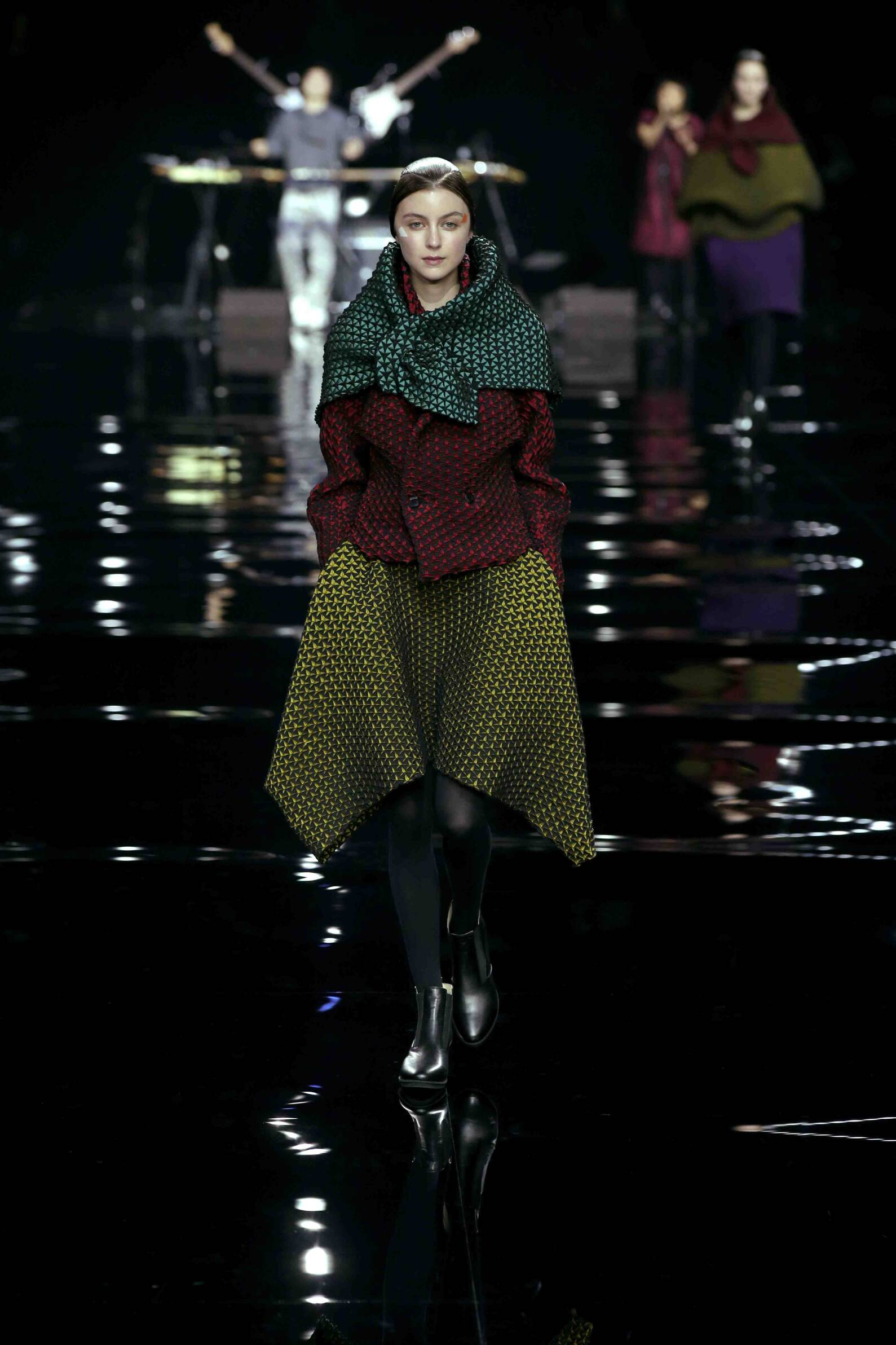 Issey Miyake Collection Woman 2015