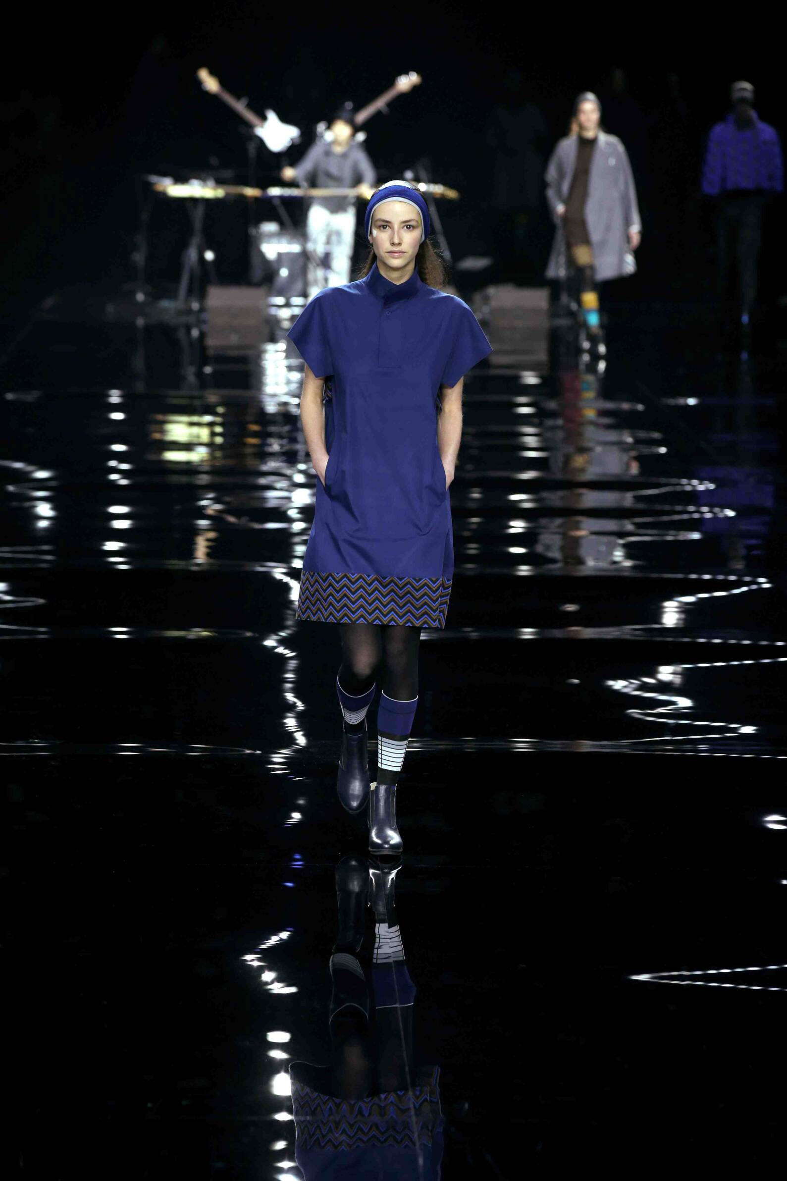 Issey Miyake Women's Collection 2015 2016