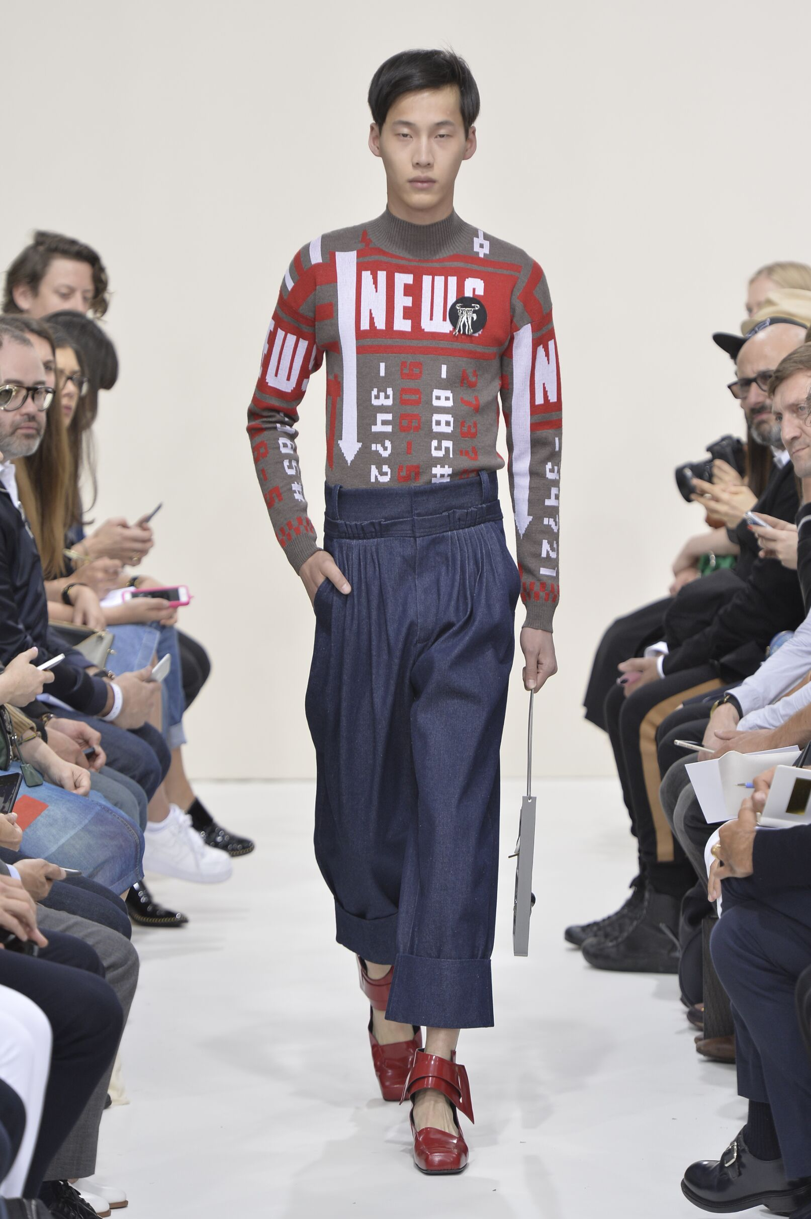 J.W. Anderson Spring Summer 2016 Menswear Collection London Fashion Week Fashion Show