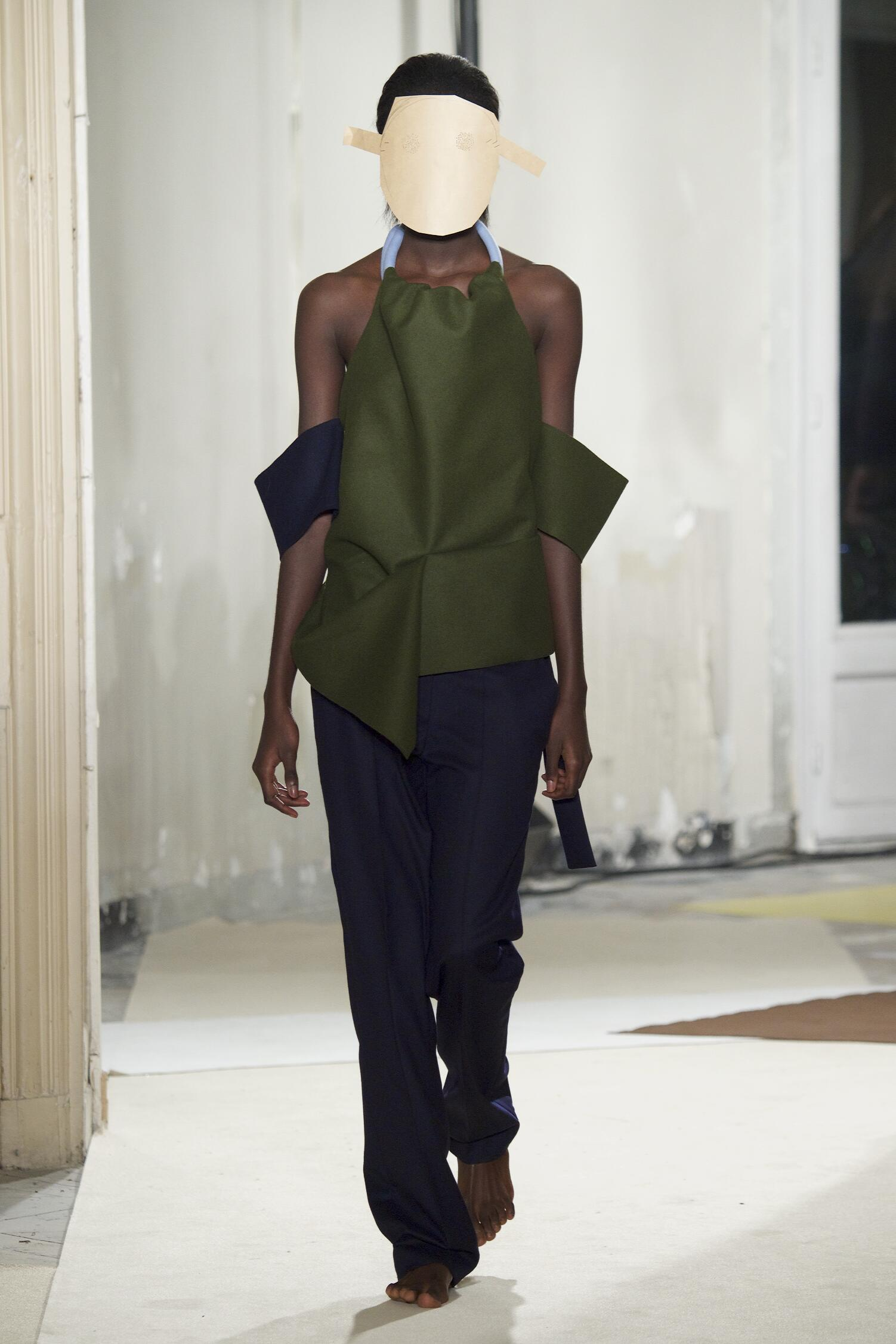 Jacquemus Collection Fall 2015 Catwalk
