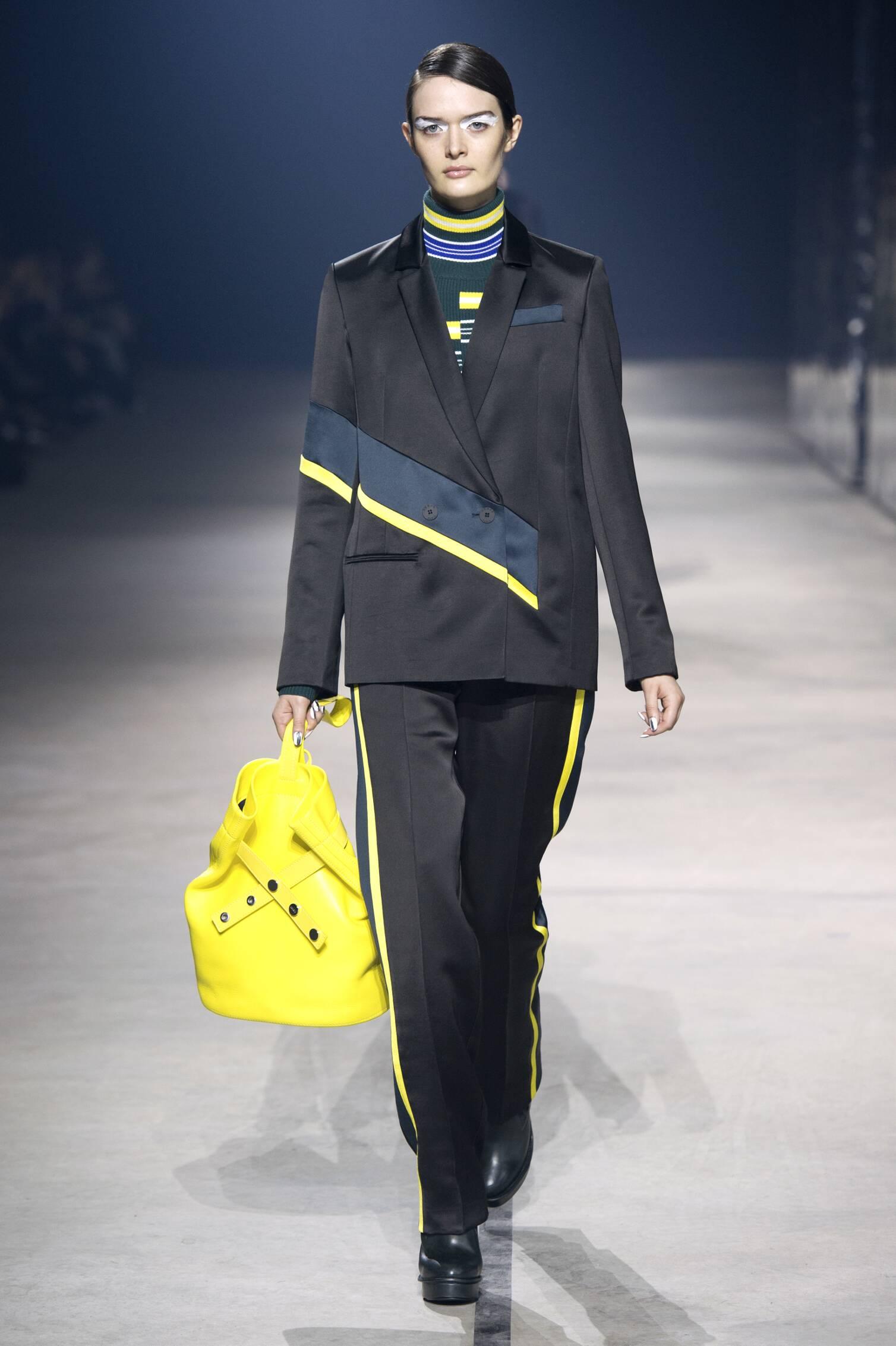 Kenzo Fall Winter 2015 16 Womenswear Collection Paris Fashion Week Fashion Show
