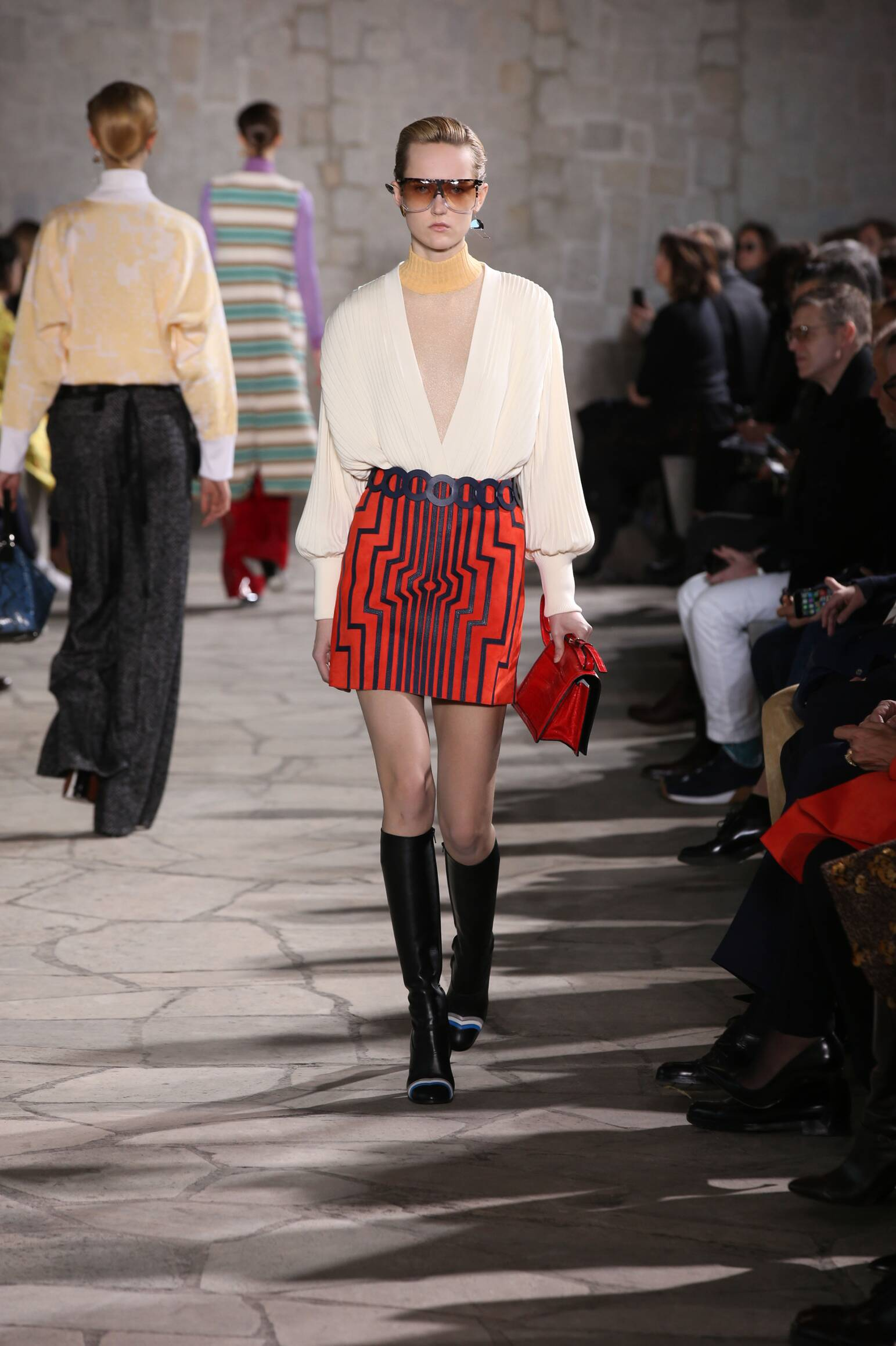 Loewe Collection Fall 2015 Catwalk