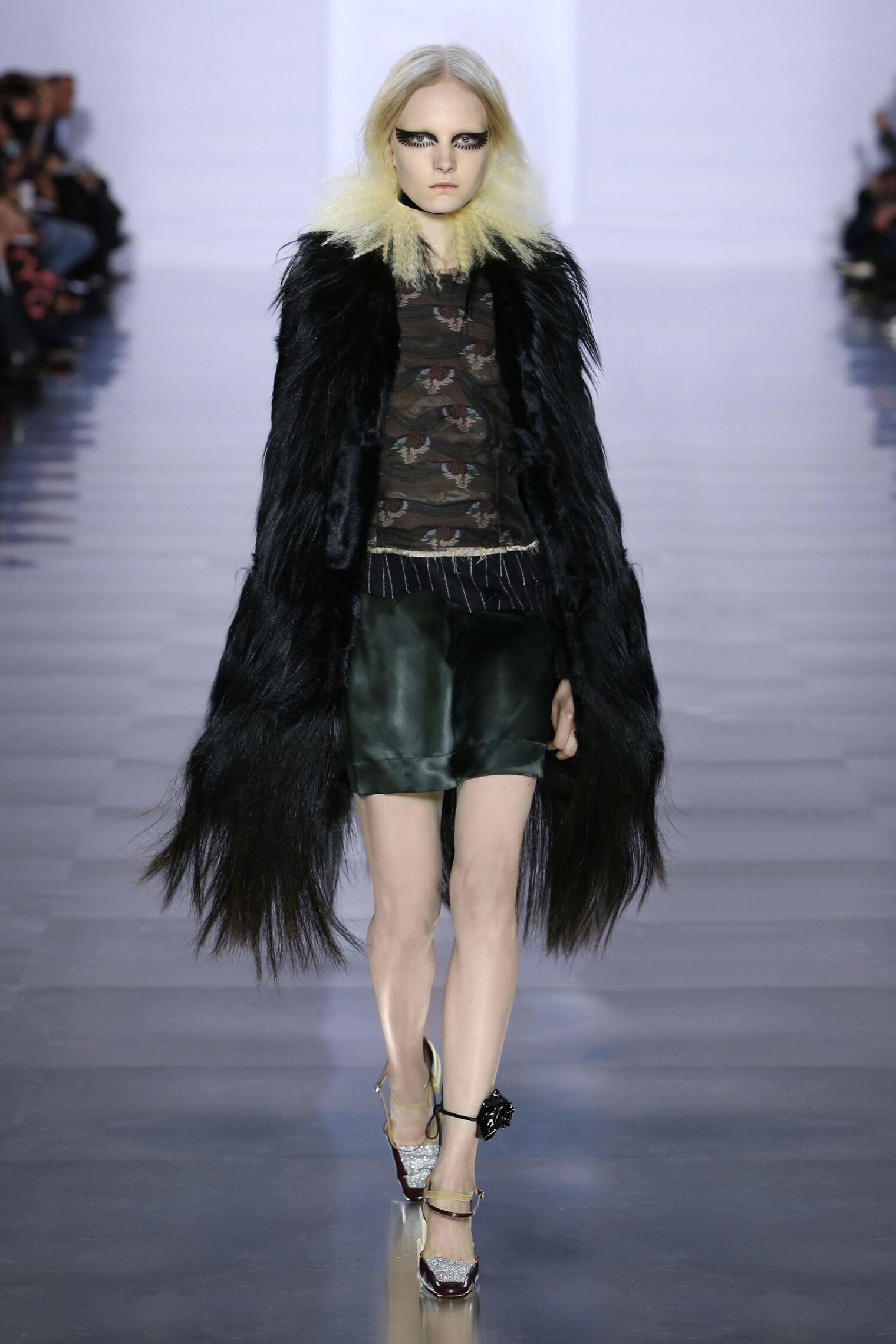 Maison Margiela Fall Winter 2015 16 Womenswear Collection Paris Fashion Week Fashion Show