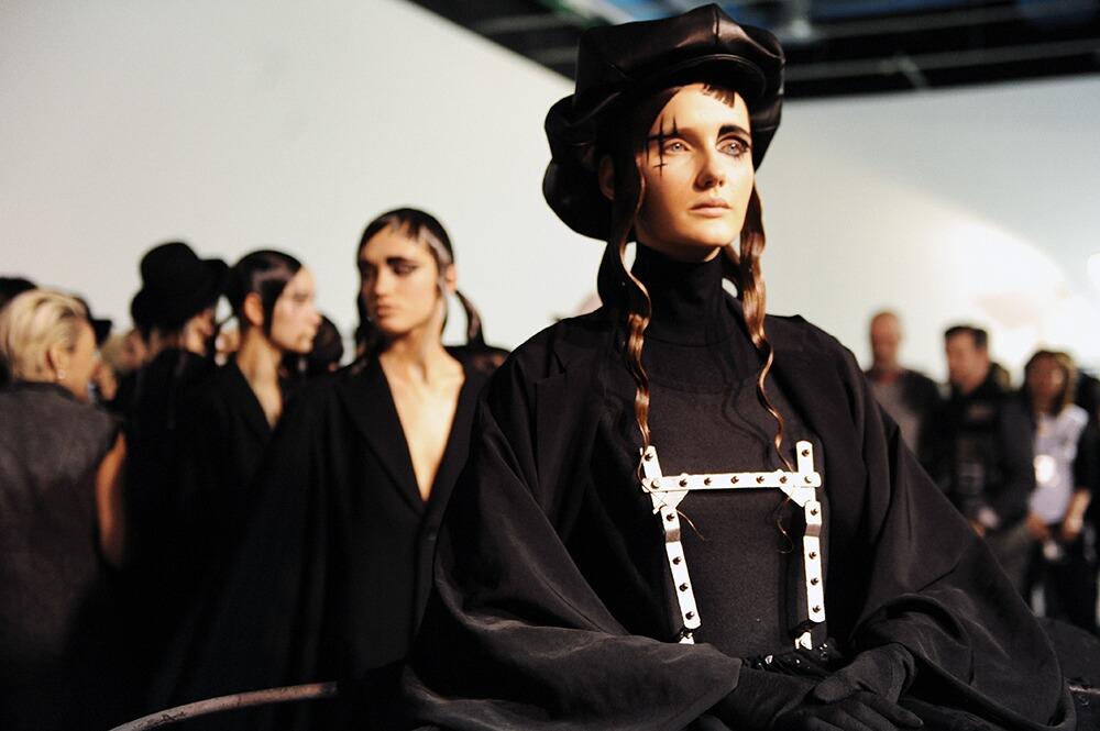 Model Yohji Yamamoto Backstage