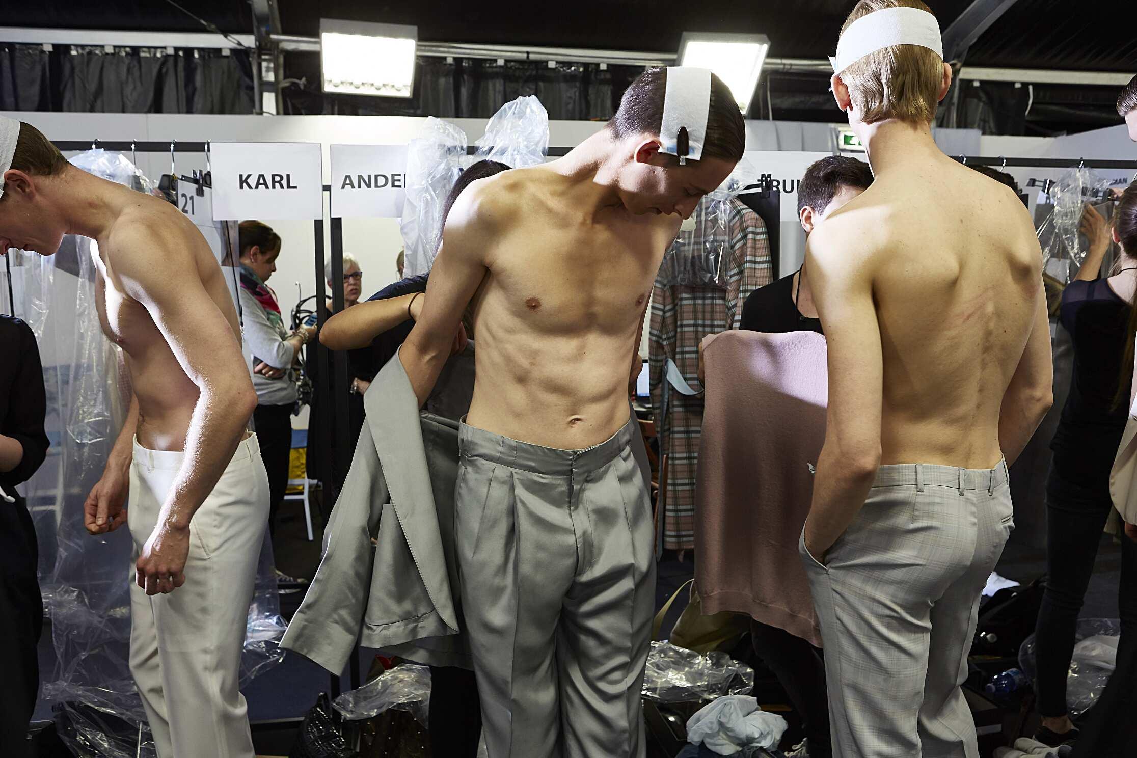 Models Backstage Ermenegildo Zegna Couture SS 2016
