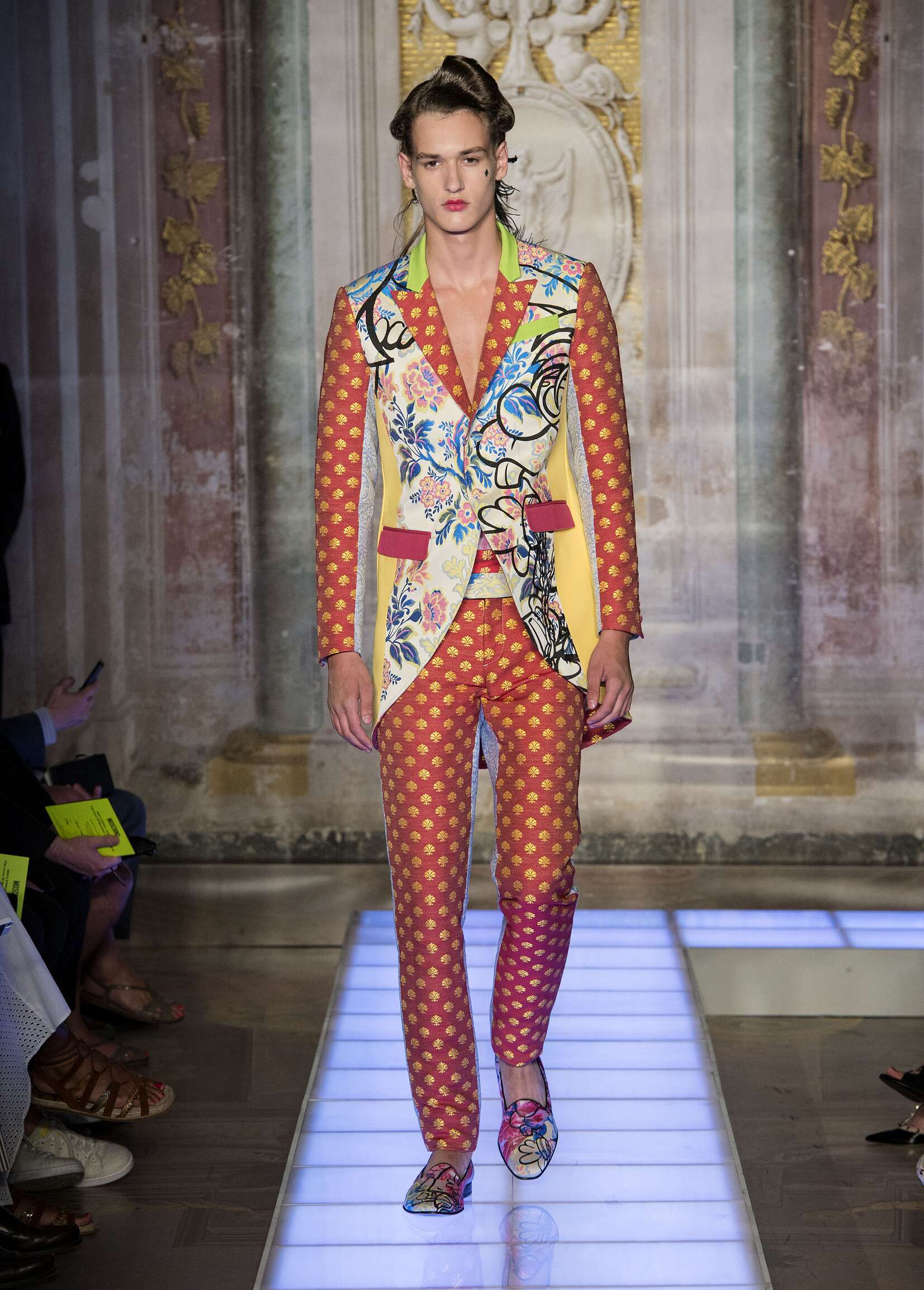Moschino Collection Fashion Show SS 2016