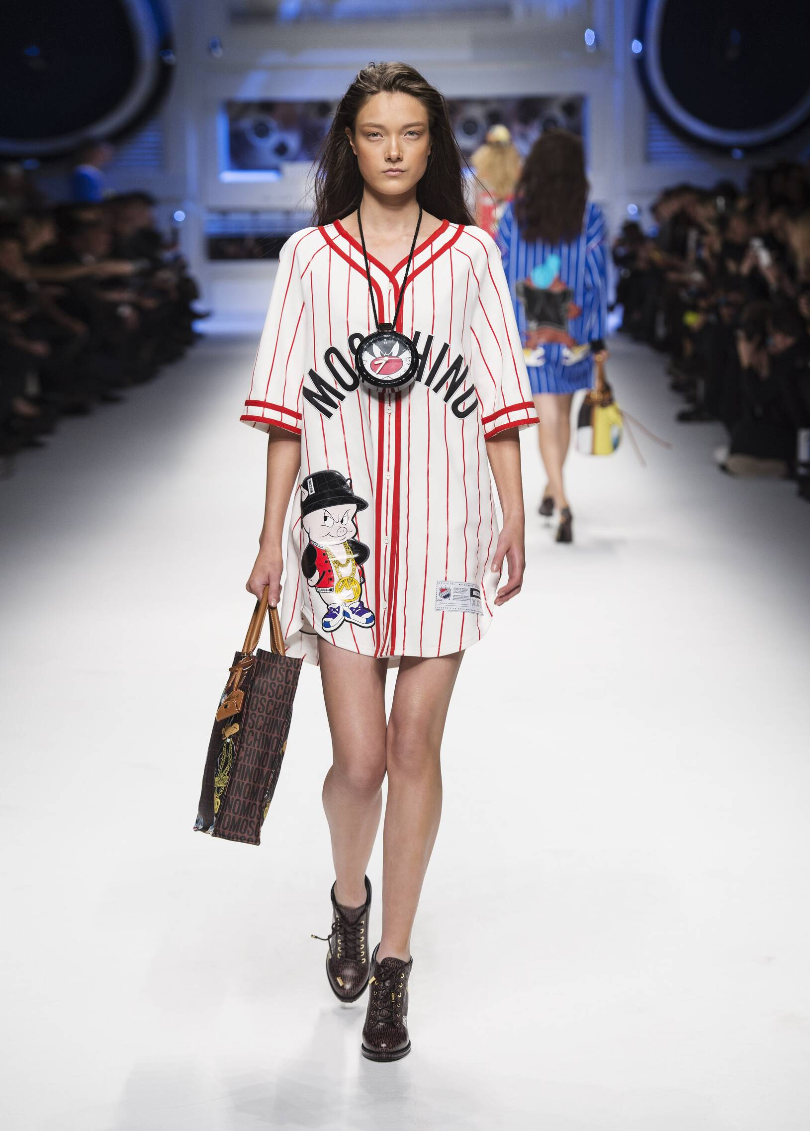 Moschino Fall Winter 2015 16 Womens Collection Milan Fashion Week