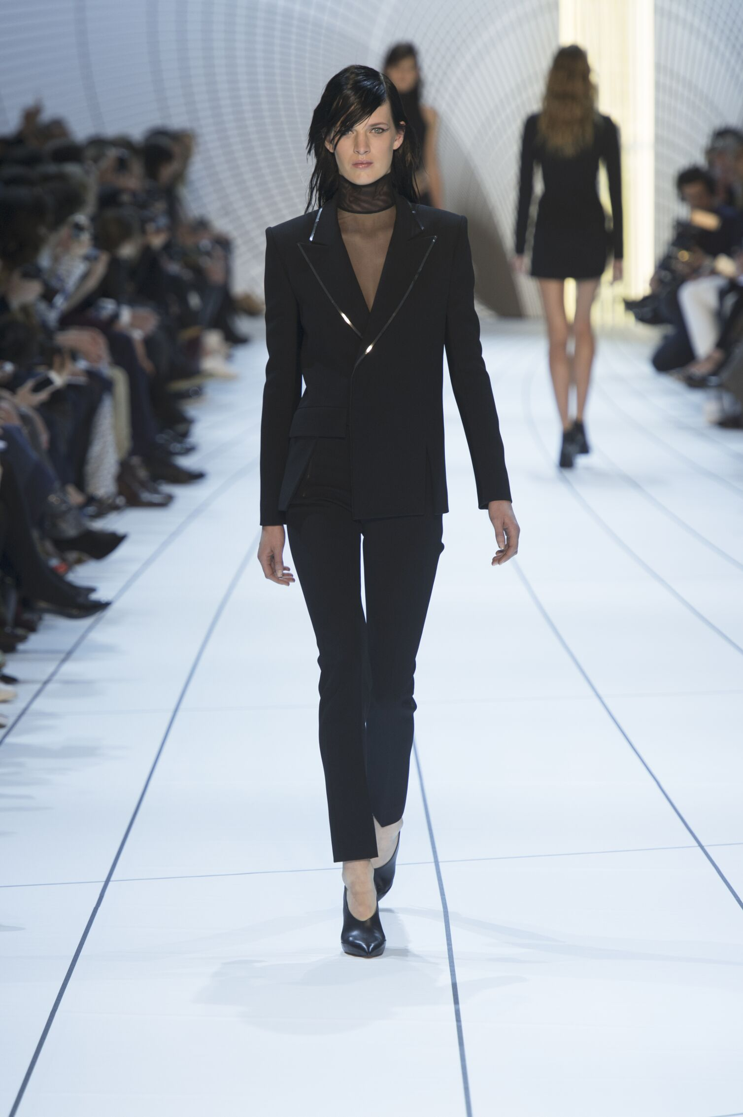 Mugler Collection Fall 2015 Catwalk