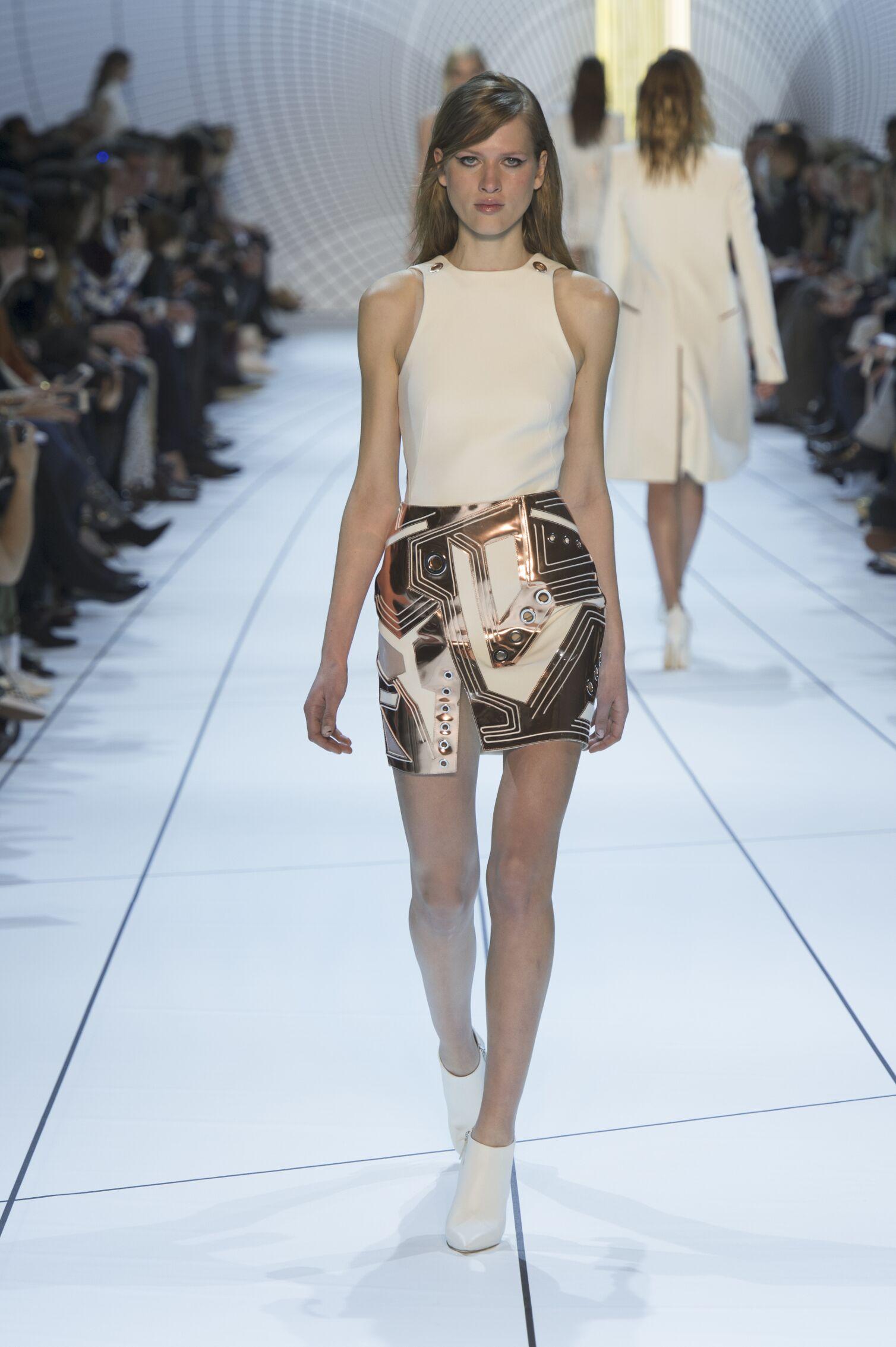 Mugler Fall Winter 2015 16 Womens Collection Paris Fashion Week