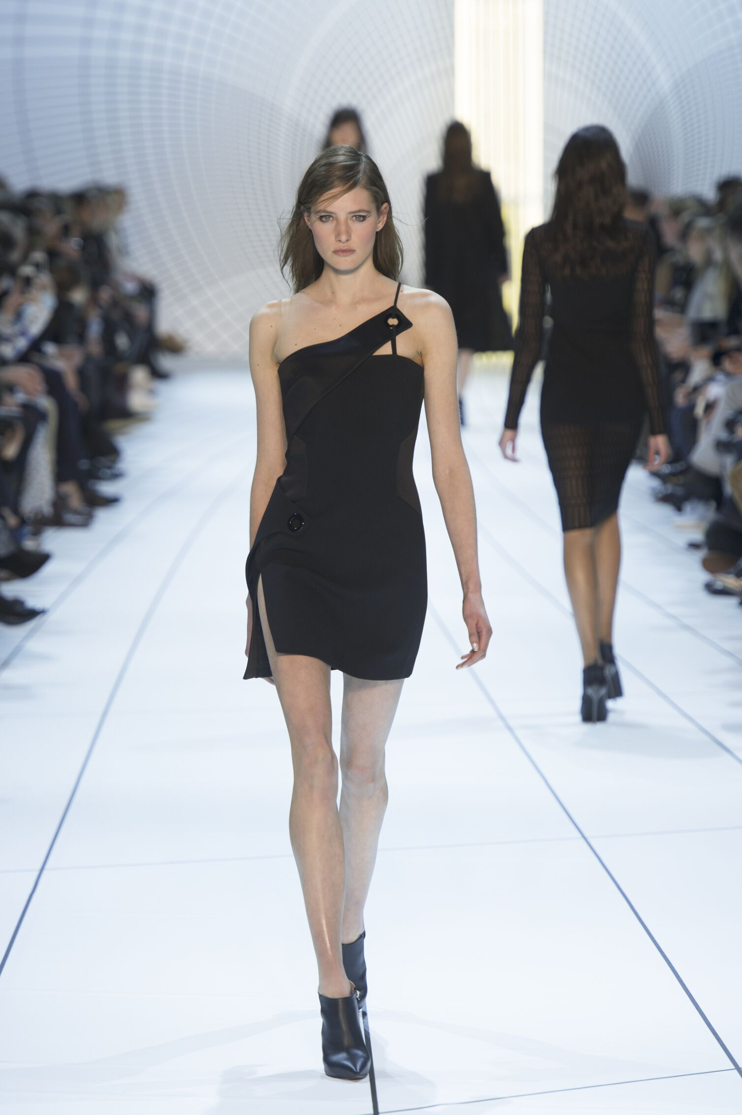 Mugler Fall Winter 2015 16 Womenswear Collection Paris Fashion Week Fashion Show