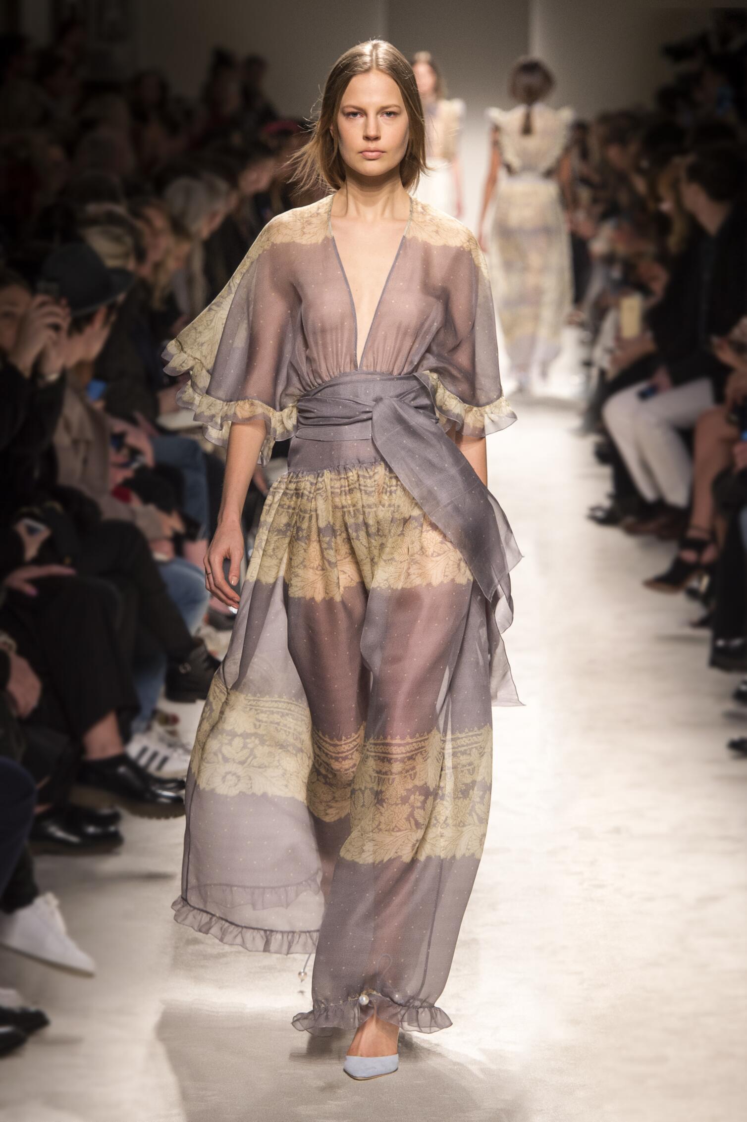 Philosophy di Lorenzo Serafini Collection Fashion Trends