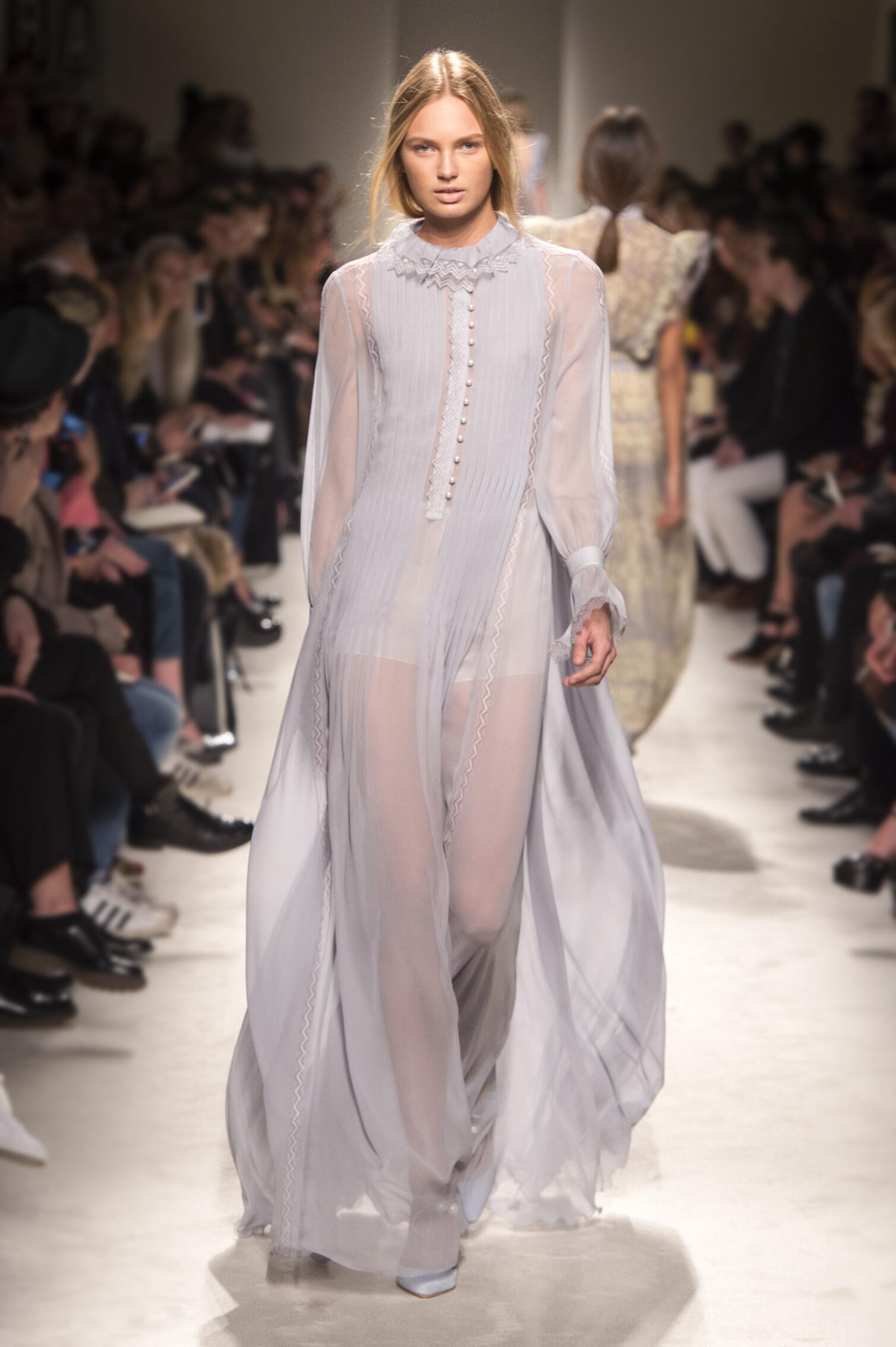 Philosophy di Lorenzo Serafini Collection Women Style