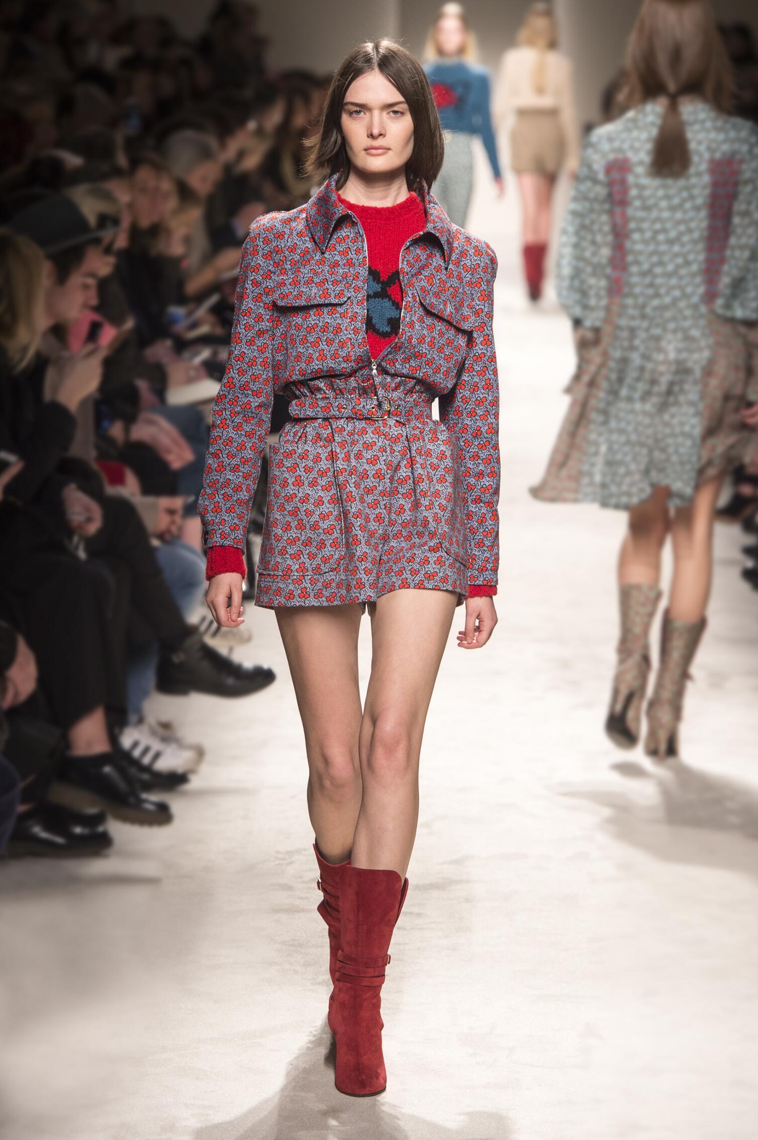 Philosophy di Lorenzo Serafini Fall Winter 2015 16 Womens Collection Milan Fashion Week