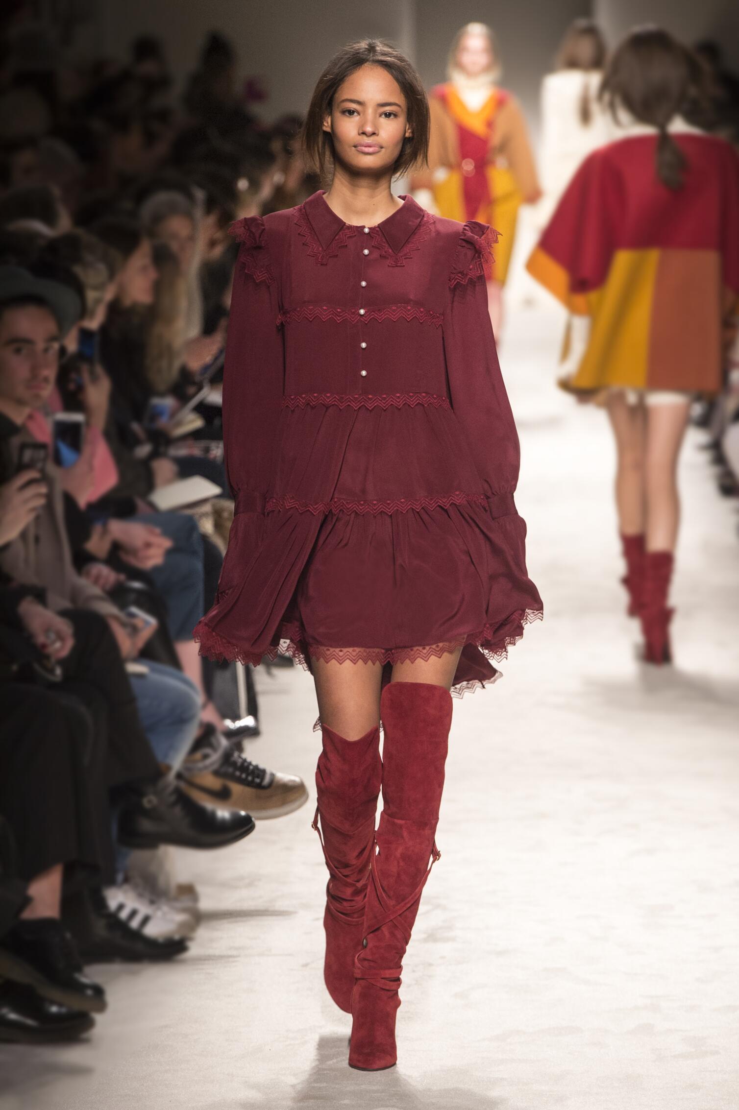 Philosophy di Lorenzo Serafini Fall Winter 2015 16 Womenswear Collection Milan Fashion Week Fashion Show