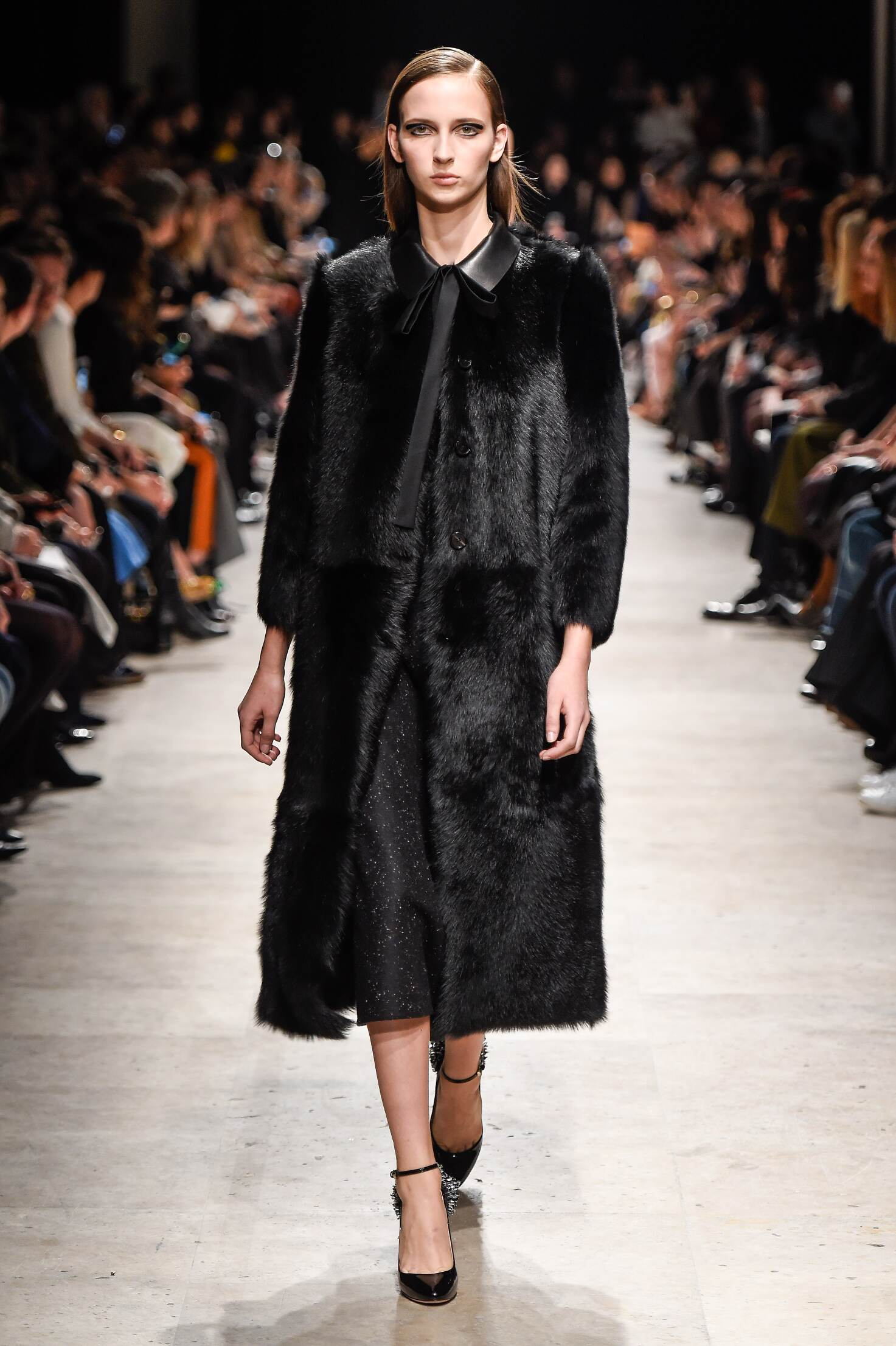 Rochas Collection Fall 2015 Catwalk