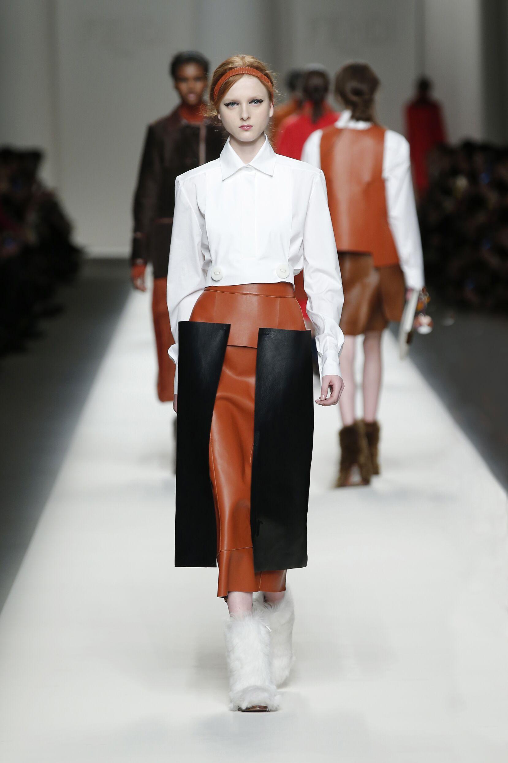 Runway Fendi Fall Winter 2015 16 Women's Collection Milan Fashion Week