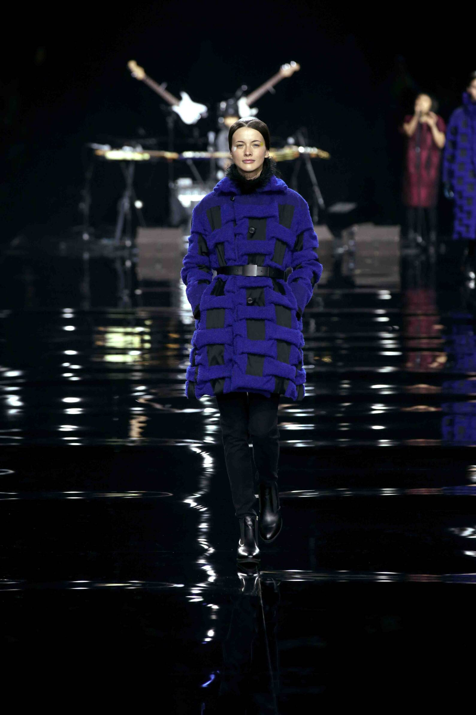 Runway Issey Miyake Fall Winter 2015 16 Women's Collection Paris Fashion Week