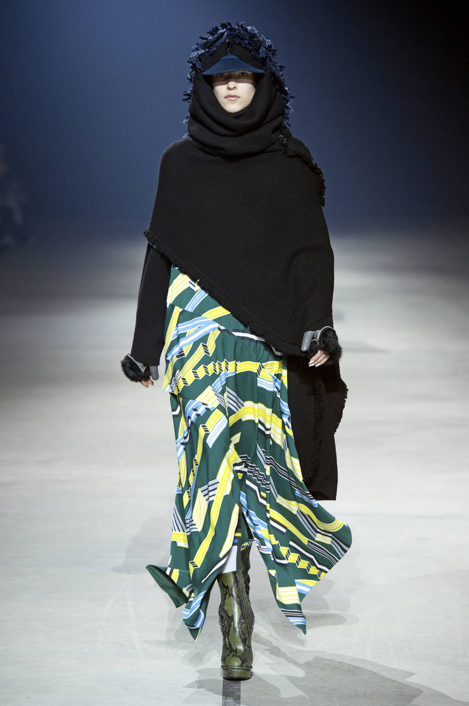 Runway Kenzo Fashion Show Winter 2015