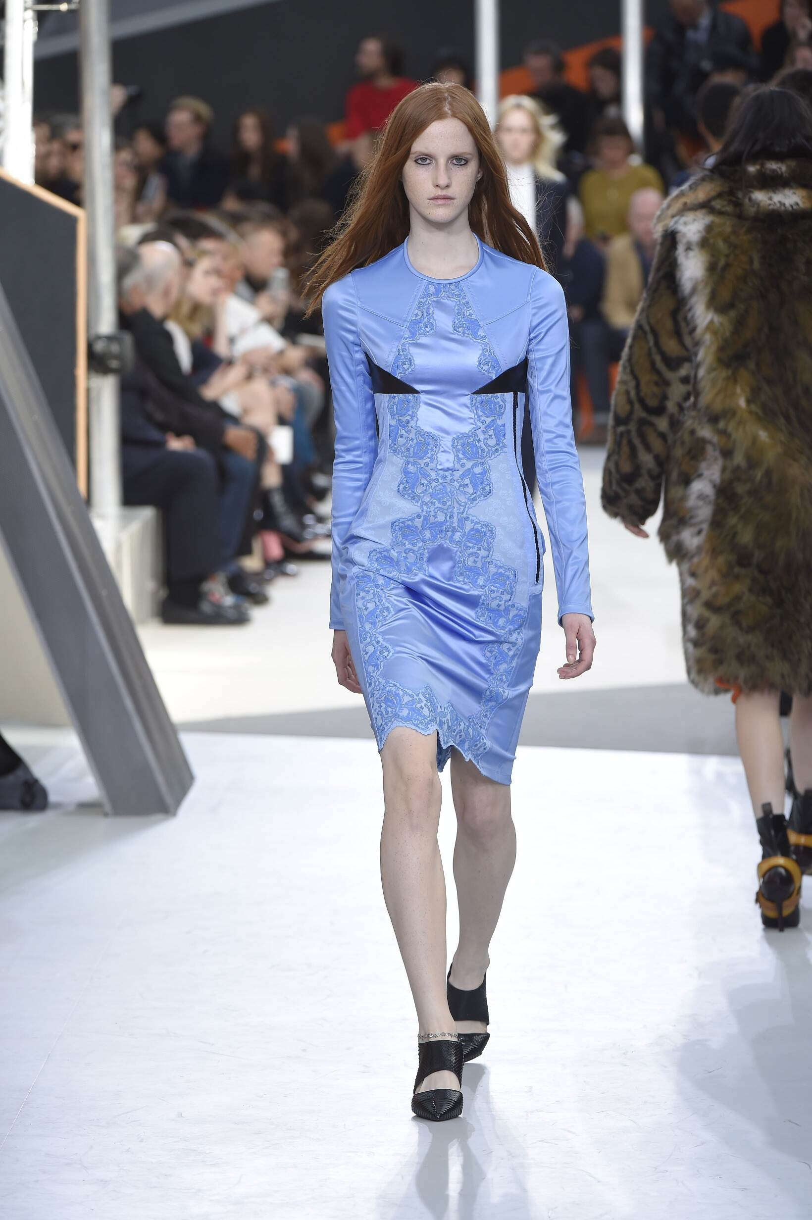 Runway Louis Vuitton Fall Winter 2015 16 Women's Collection Paris Fashion Week