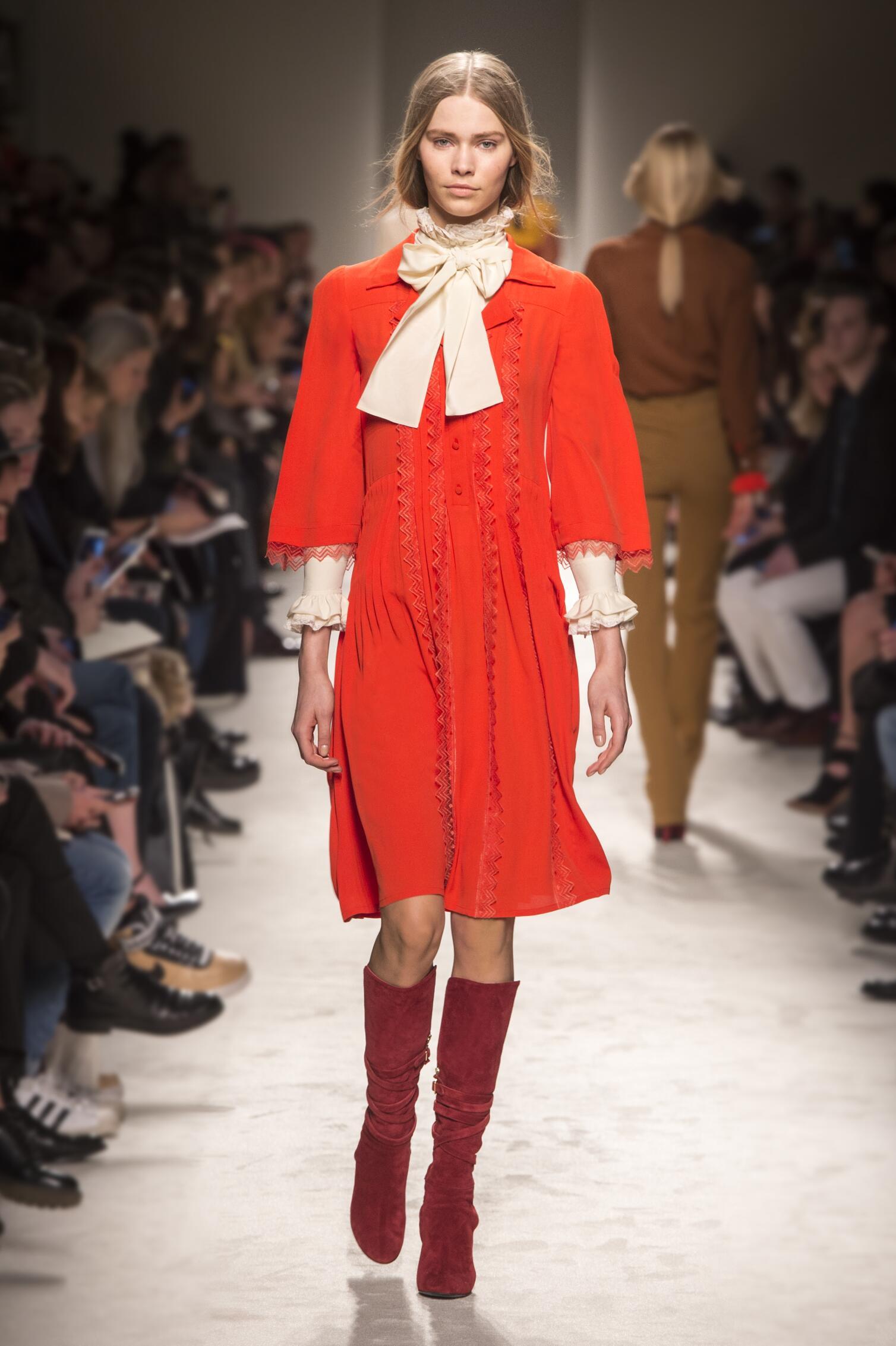 Runway Philosophy di Lorenzo Serafini Fall Winter 2015 16 Women's Collection Milan Fashion Week