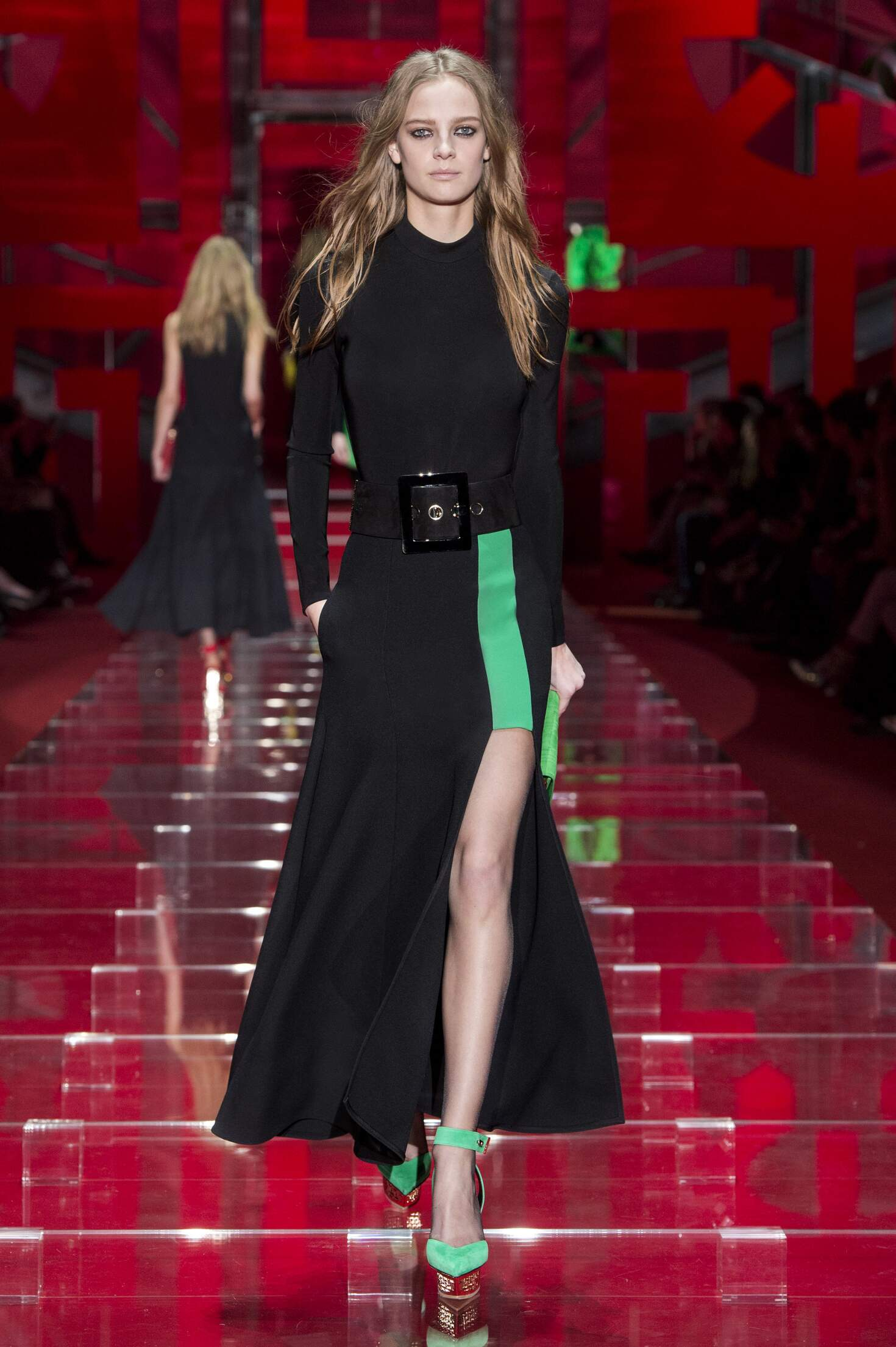Runway Versace Fashion Show Winter 2015