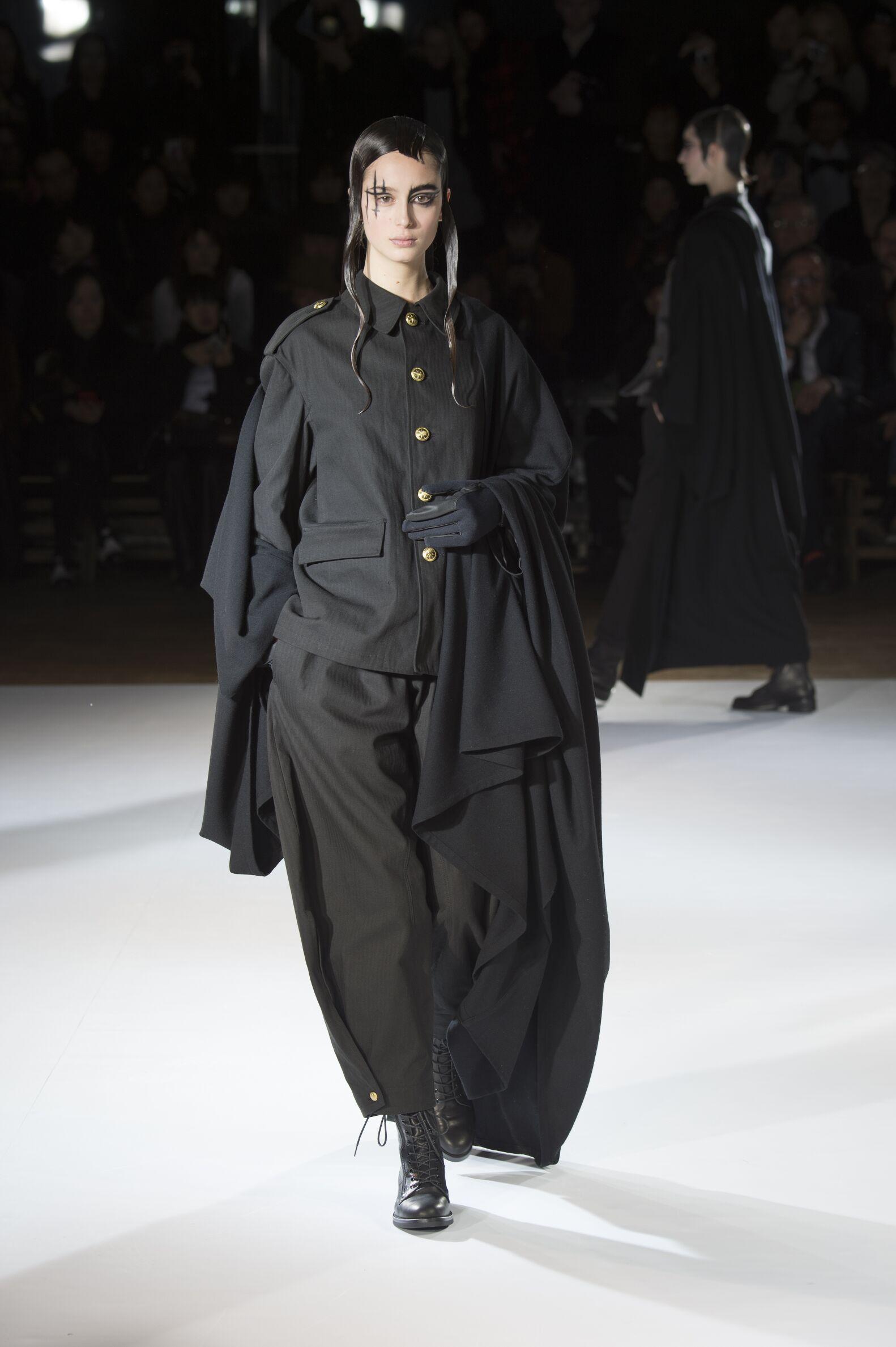 Runway Yohji Yamamoto Fashion Show Winter 2015