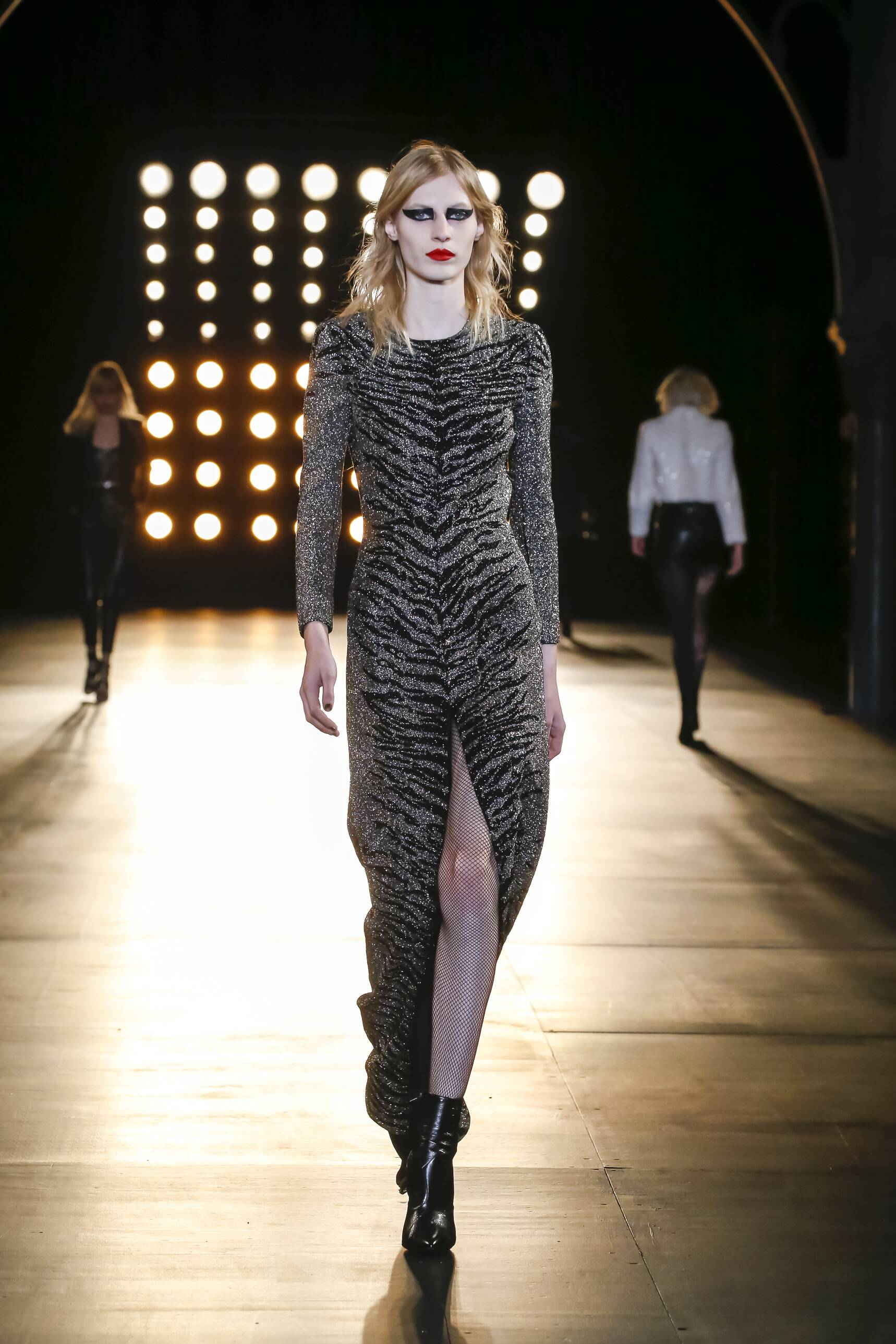 Saint Laurent Fall Winter 2015 16 Womenswear Collection Paris Fashion Week Fashion Show