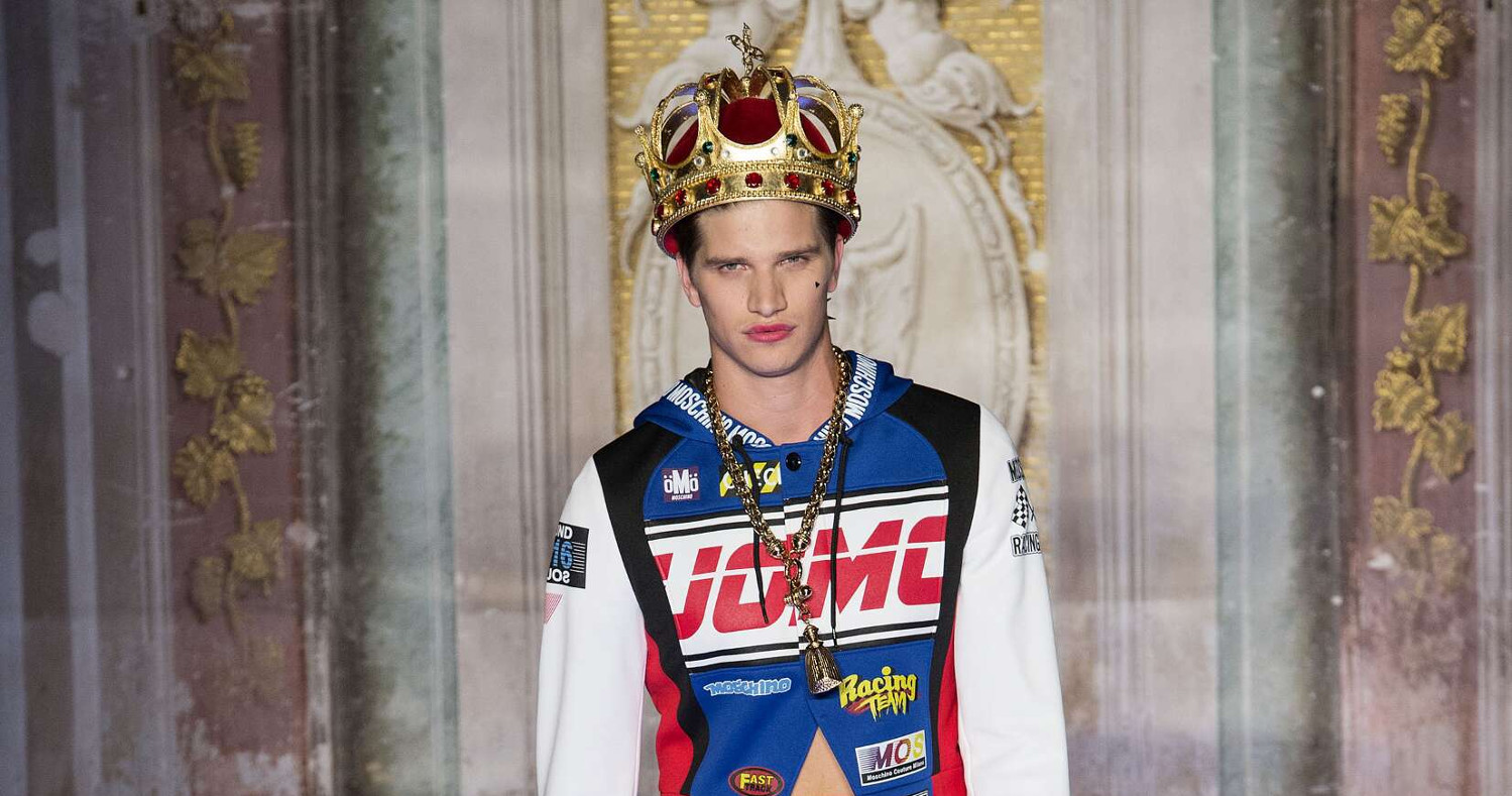 Spring Fashion Man Moschino Collection 2016