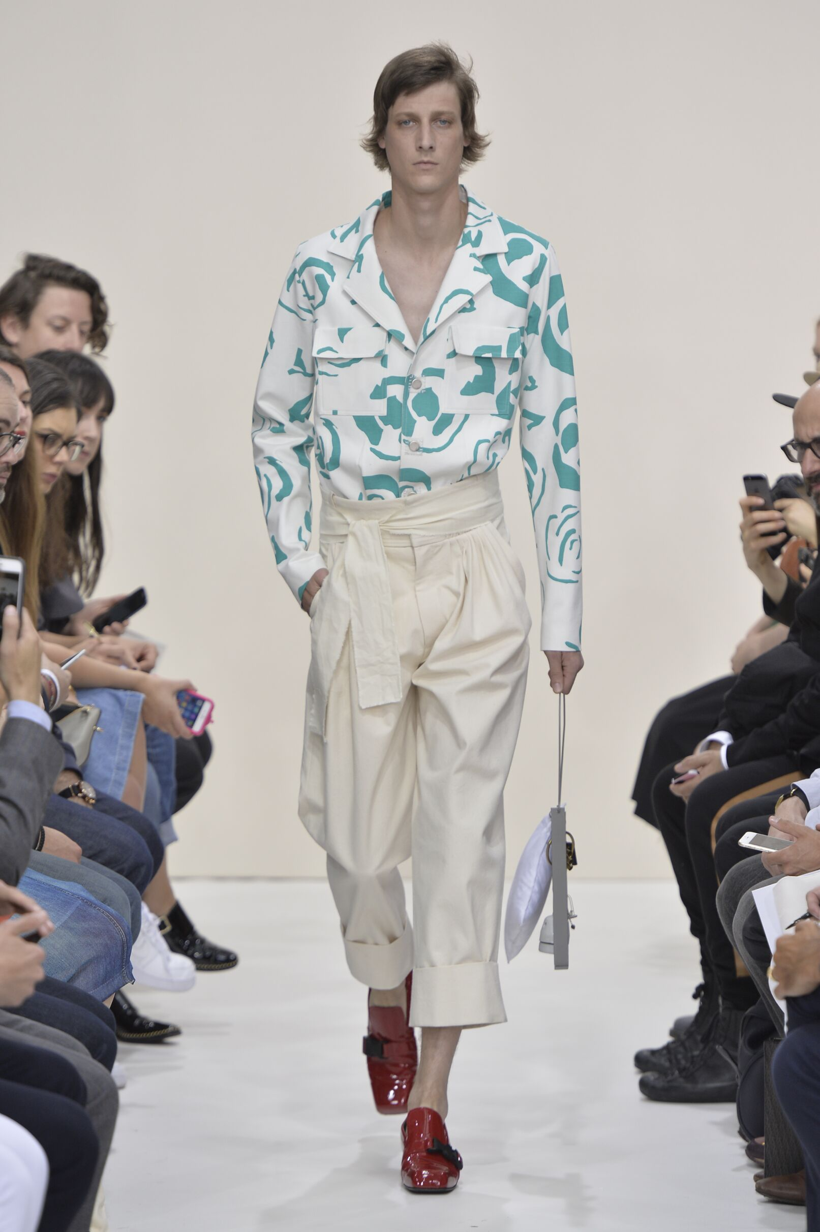 Summer 2016 Fashion Show J.W. Anderson Collection